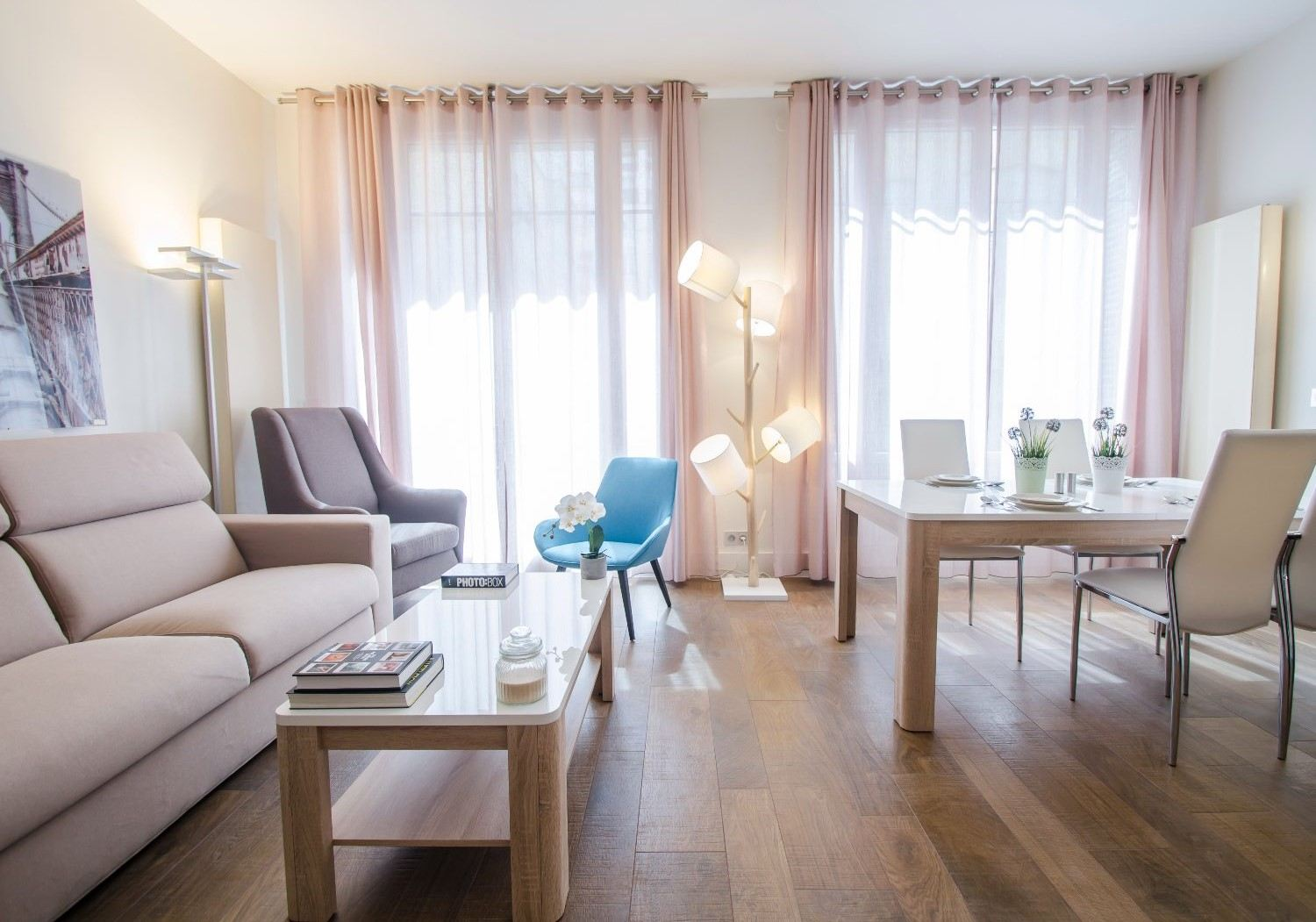sales property at On sale renovated pied-à-terre Paris 16 - Place Victor Hugo