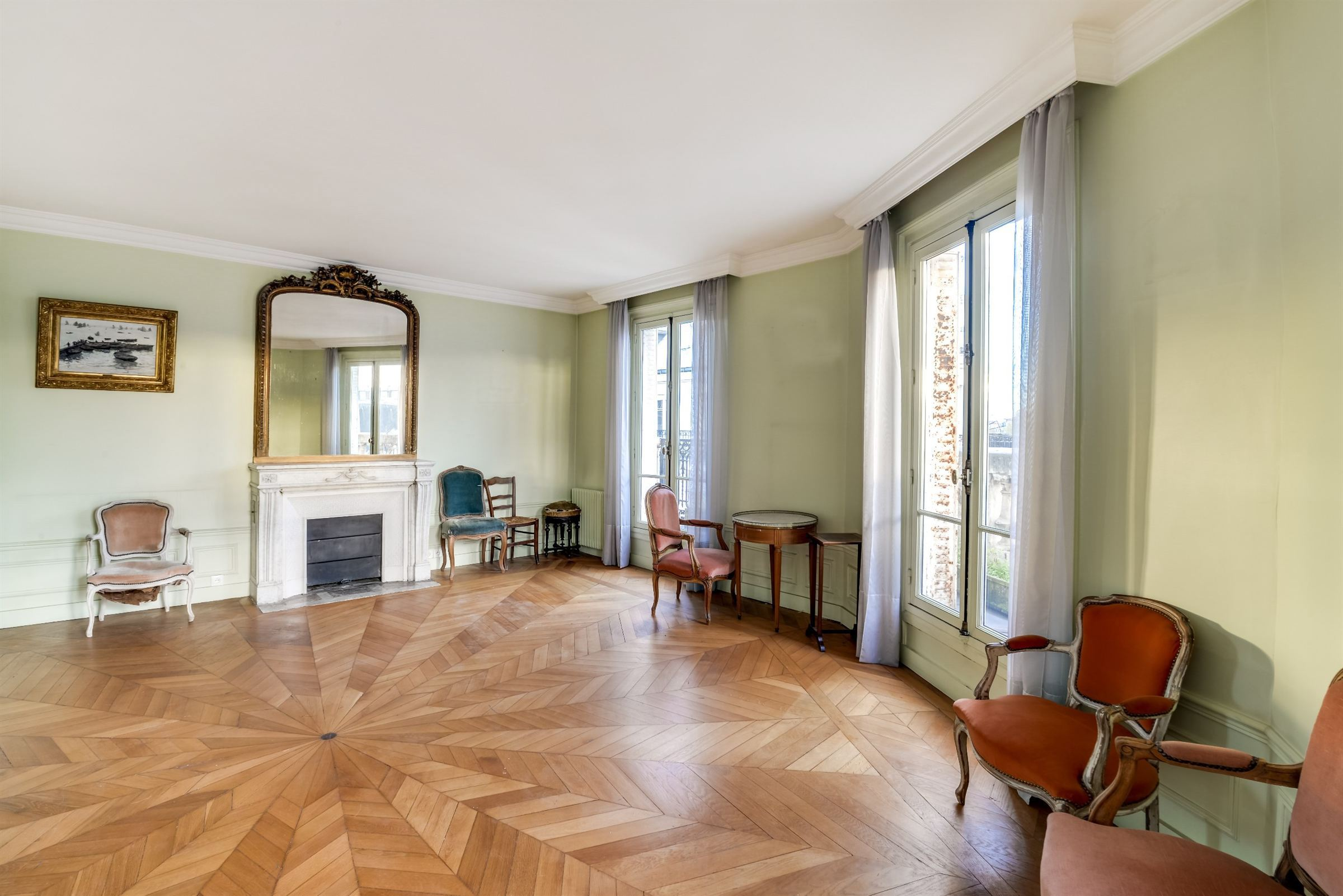 sales property at Paris 6 - St-Germain. Apartment 179 sq.m.. Balcony of 25m, Notre-Dame view