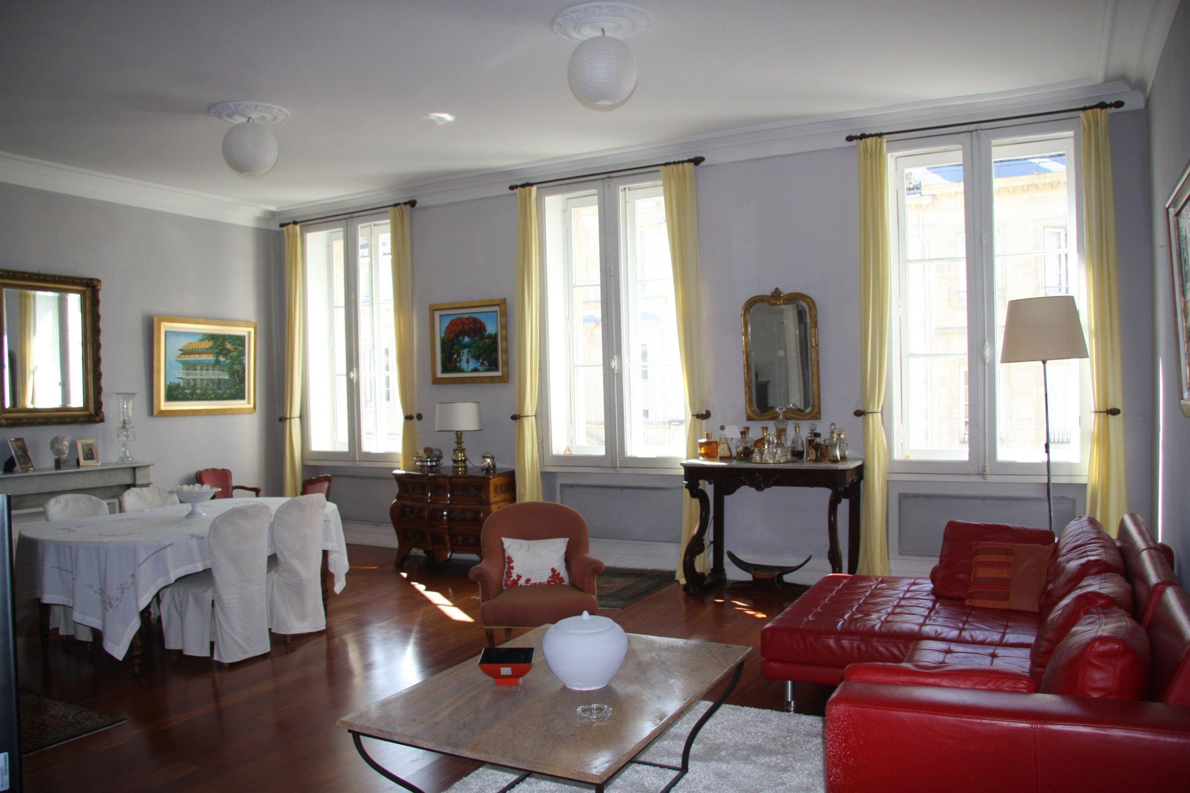 Appartement pour l Vente à BORDEAUX - GRAND THEATRE - BEAUTIFUL APARTMENT Bordeaux, Aquitaine 33000 France