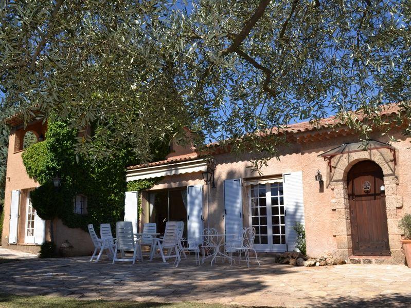 一戸建て のために 売買 アット BEAUTIFUL VILLA ON 4.281 M² Salernes, プロバンス=アルプ=コート・ダジュール, 83690 フランス