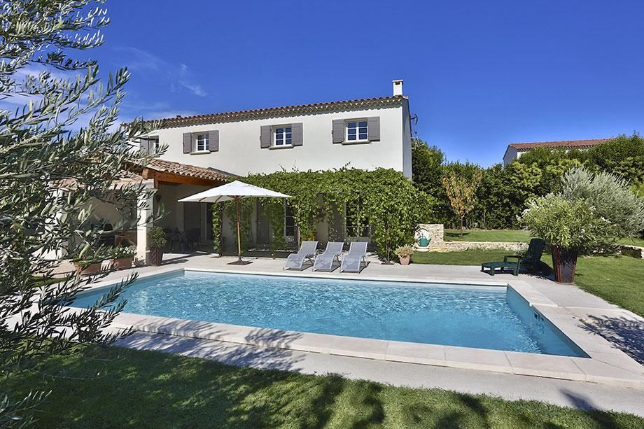 Single Family Home for Sale at Maison neuve Gordes, Provence-Alpes-Cote D'Azur, 84220 France