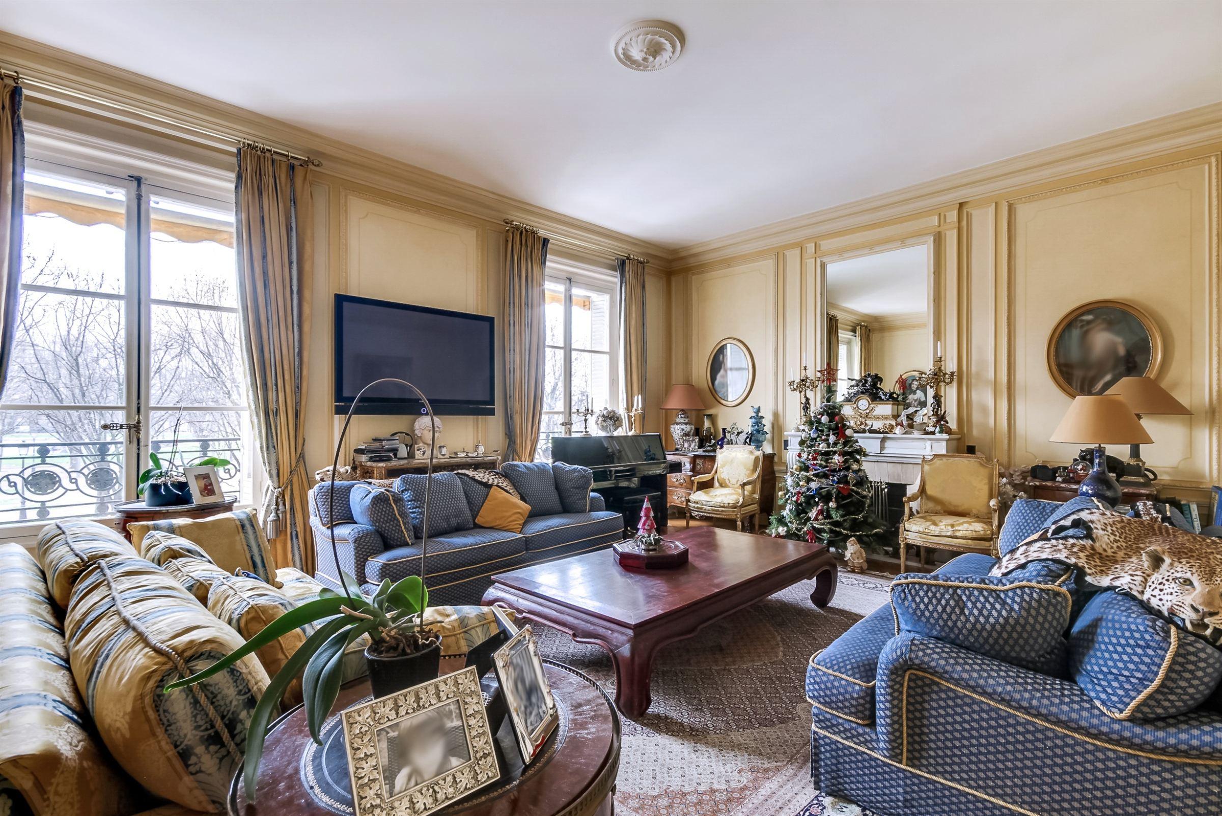 sales property at On sale superb through apartment Paris 7 Invalides