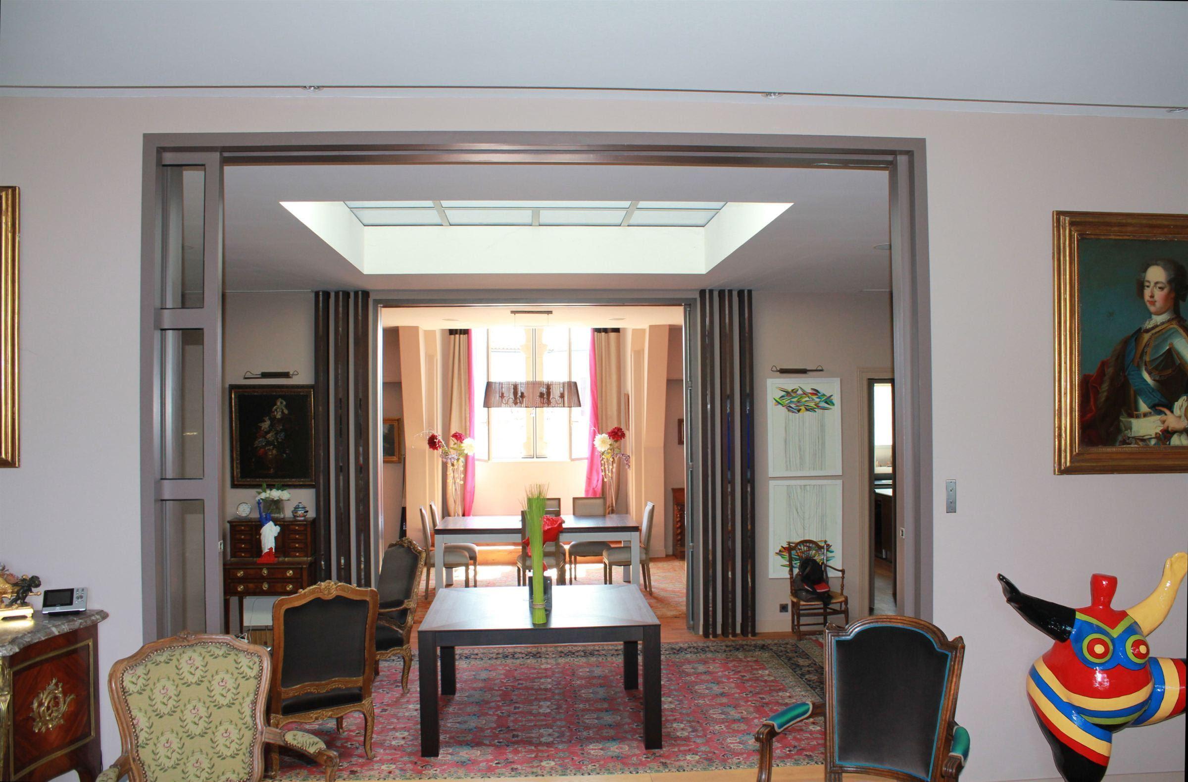 Apartamento por un Venta en BORDEAUX - PUBLIC GARDEN DISTRICT - GORGEOUS PENTHOUSE Bordeaux, Aquitania, 33000 Francia
