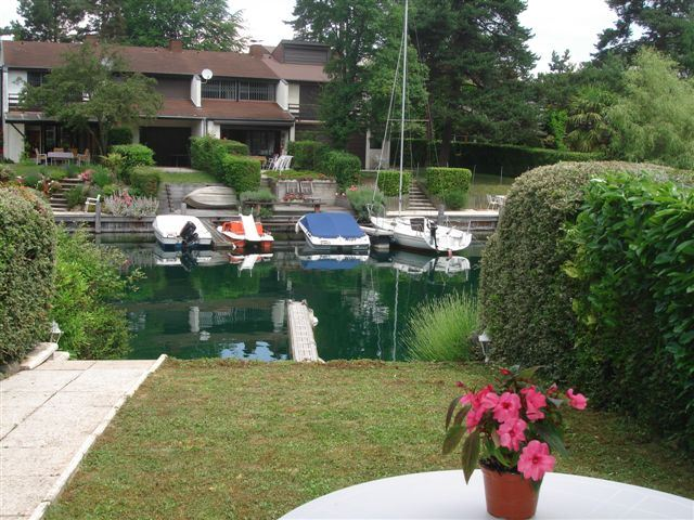 Single Family Home for Sale at House Thonon Les Bains, Haute Savoie 74200 France