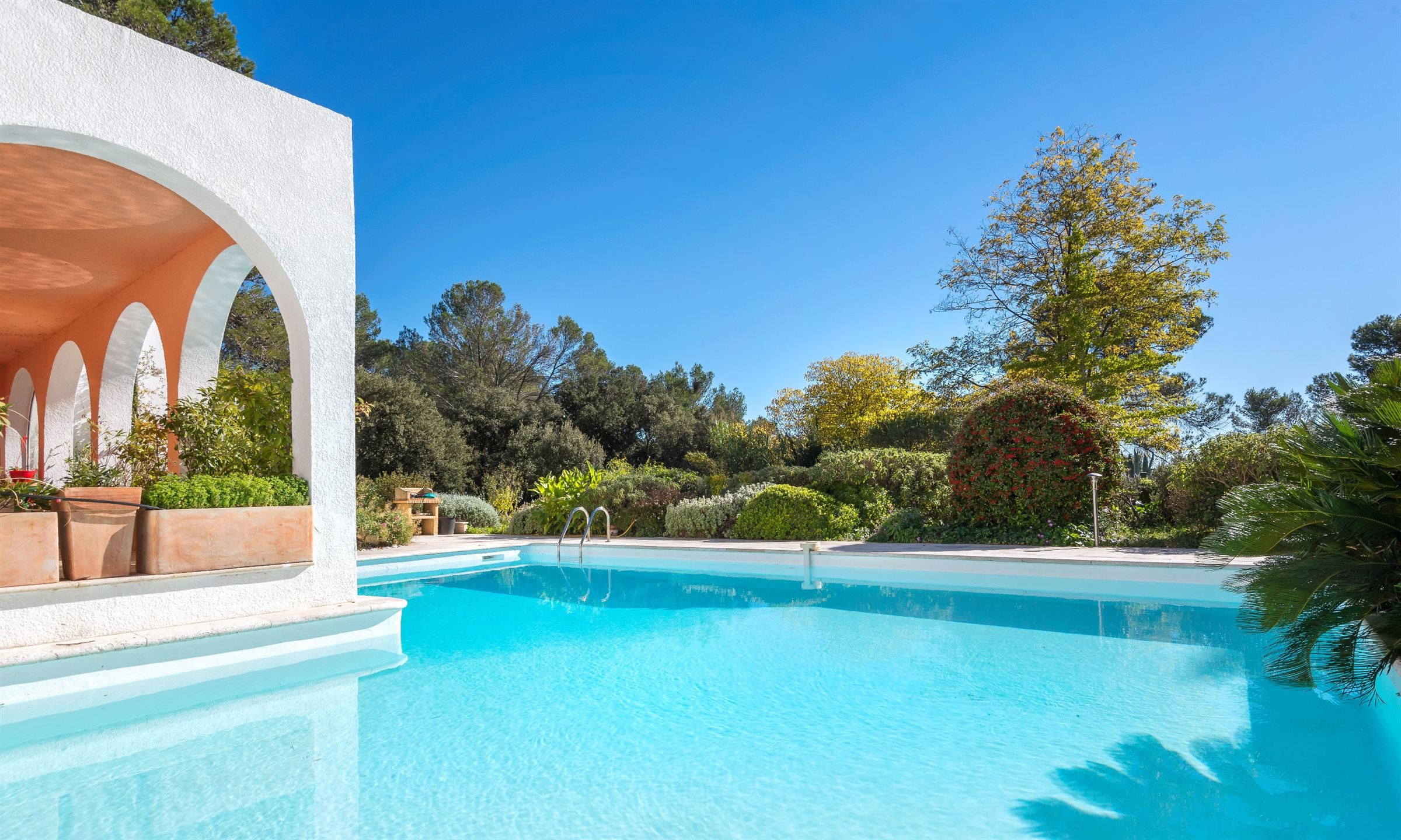 Property For Sale at Architect villa, 15 min from Downtown Montpellier