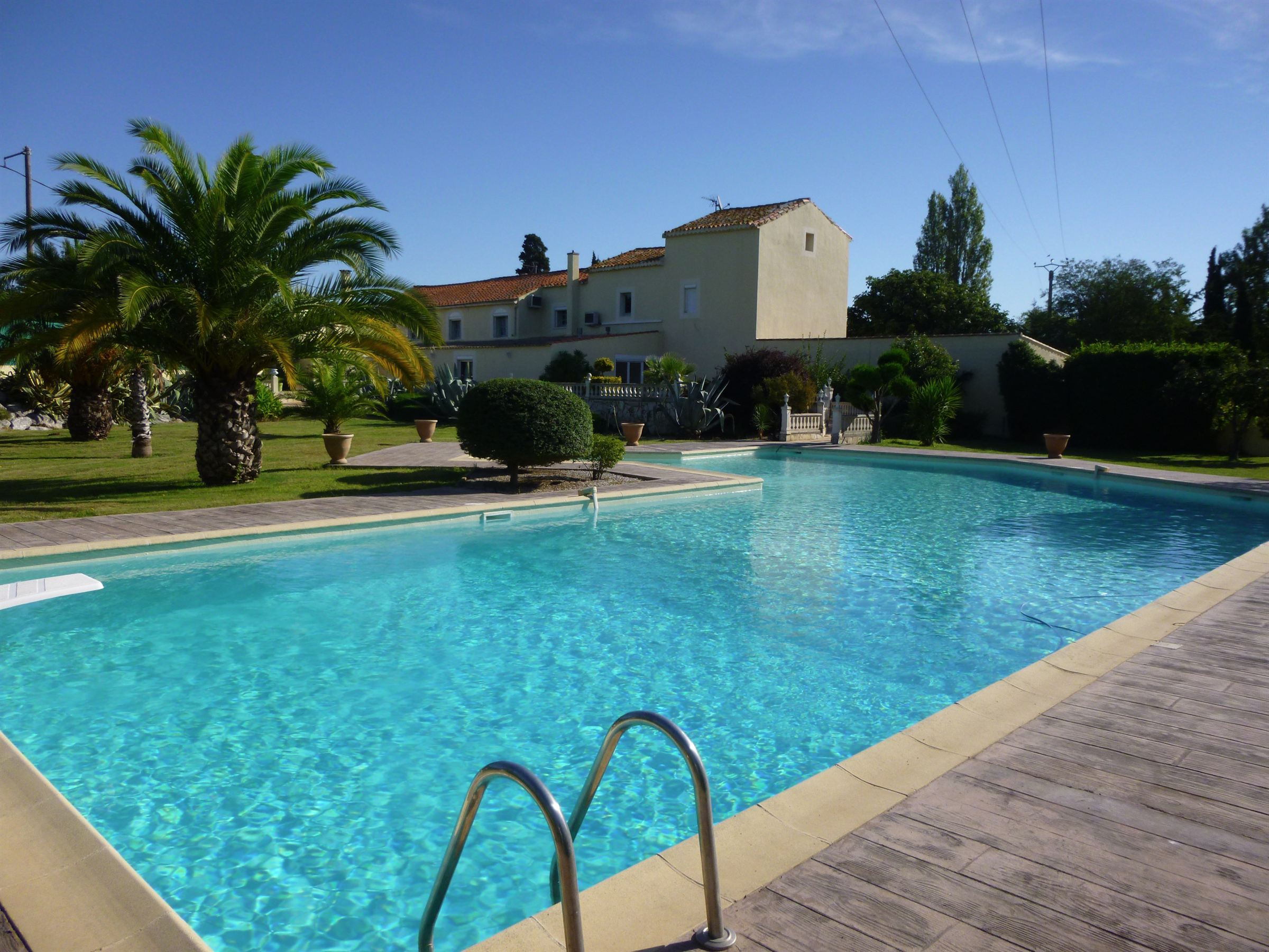 Single Family Home for Sale at Superbe mas Narbonne, Languedoc-Roussillon, 11100 France
