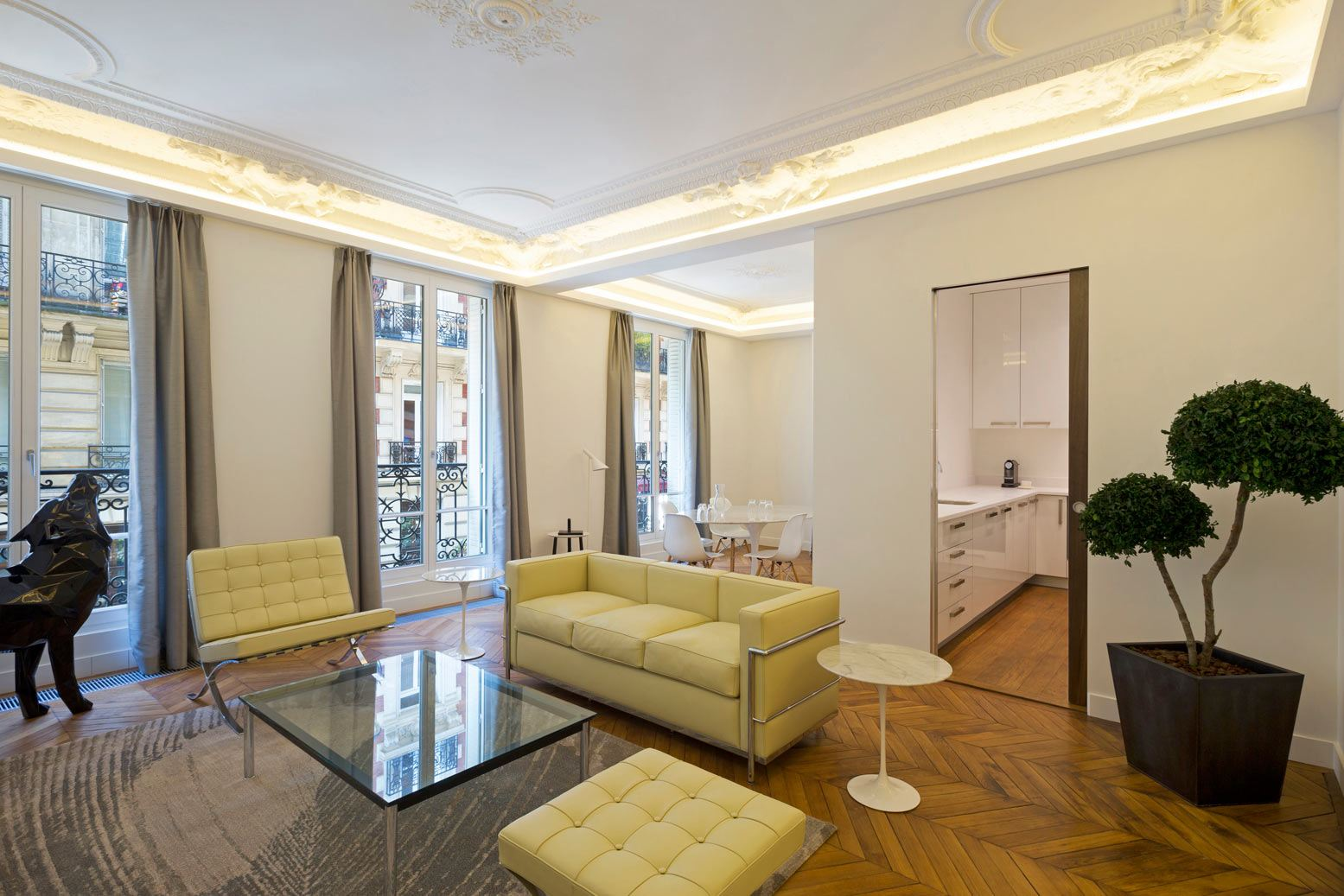 sales property at Paris 8 - Triangle d'Or. Apartment refurbished.