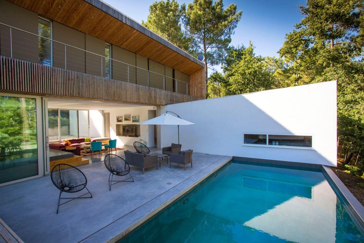 sales property at BASSIN D'ARCACHON - STUNNING ARCHITECT VILLA