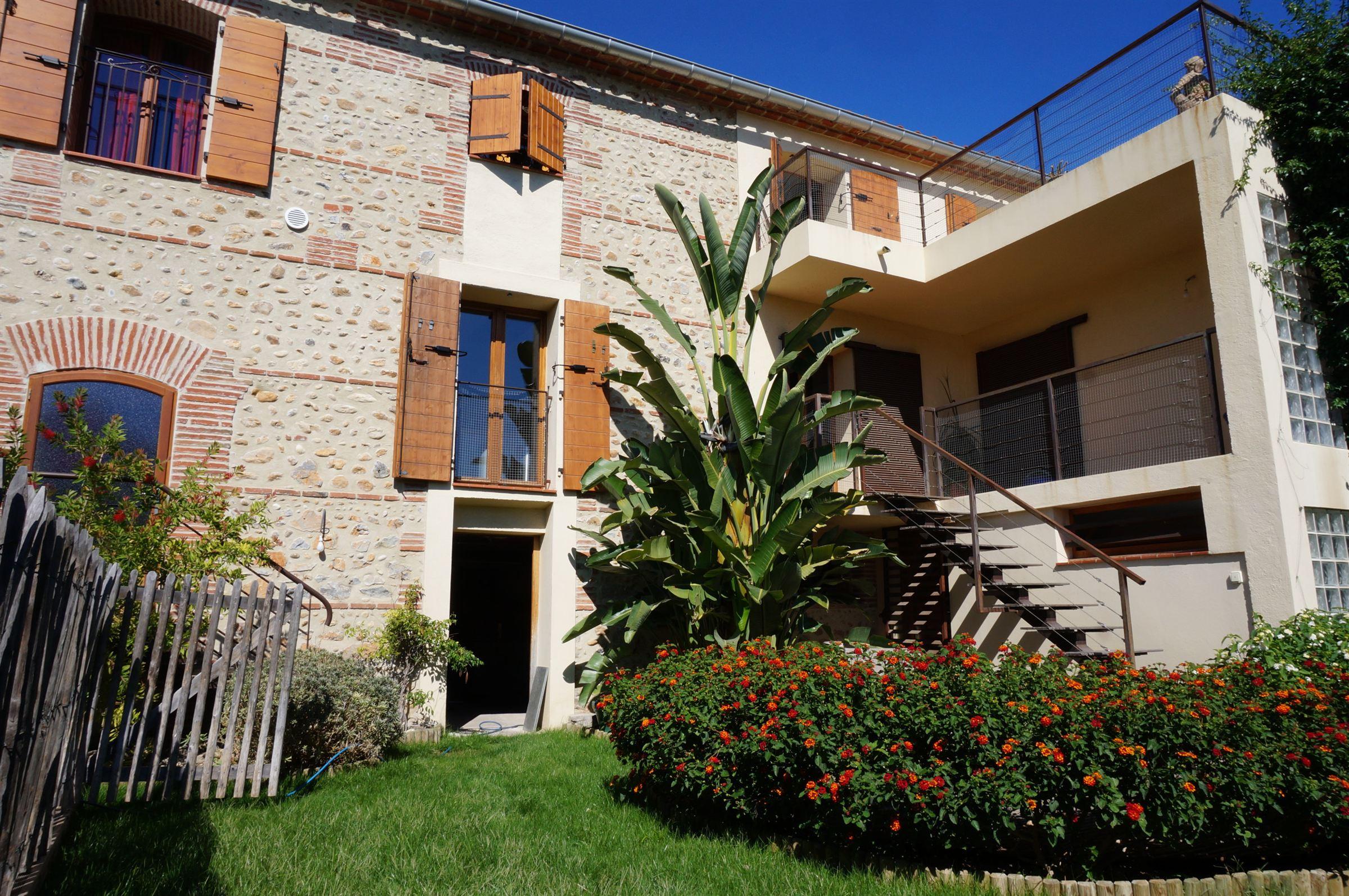 一戸建て のために 売買 アット House Perpignan, ラングドック=ルション, 66000 フランス