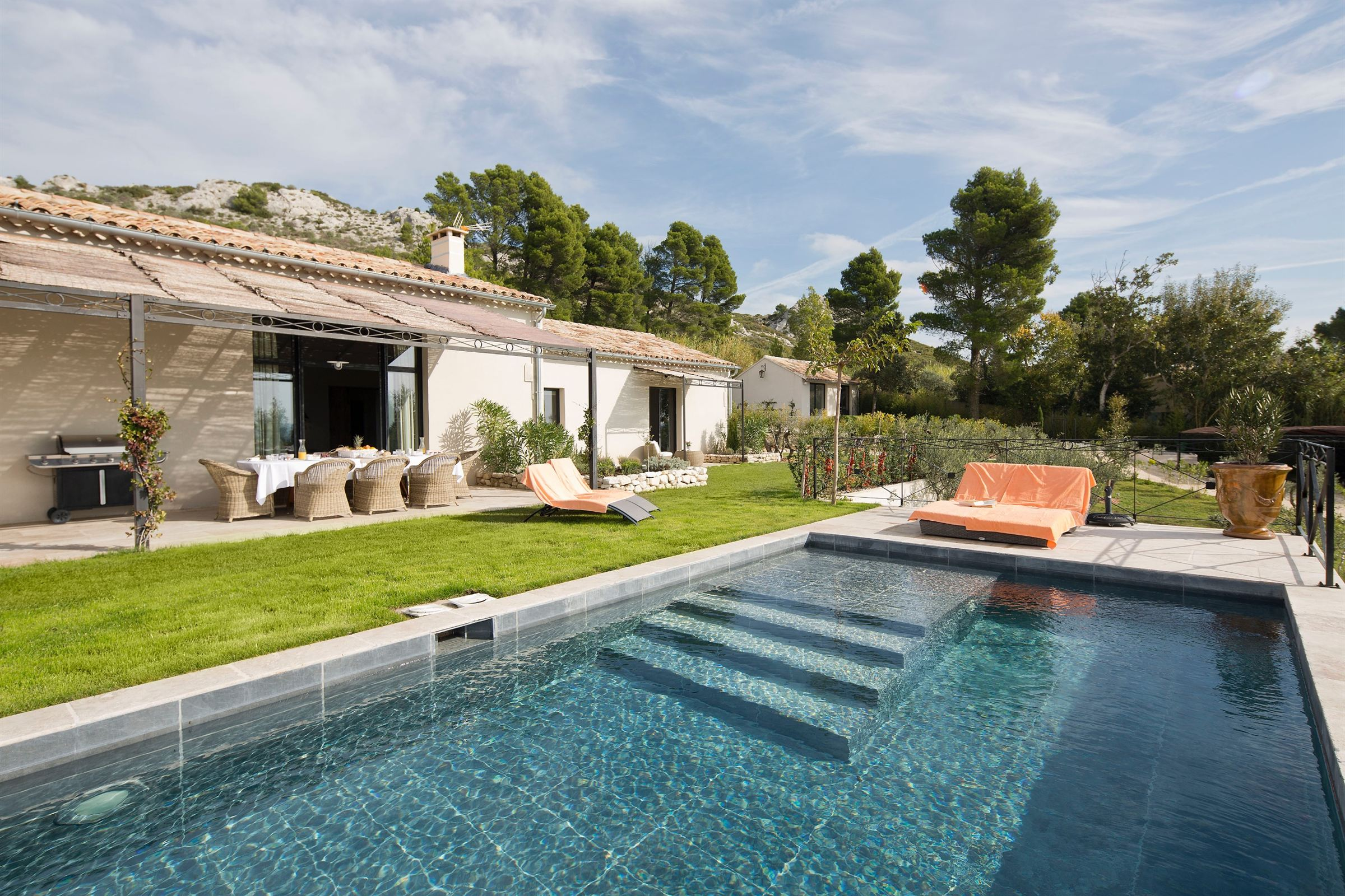 Property Of Charming renovated farmhouse located in Maussane Les Alpilles
