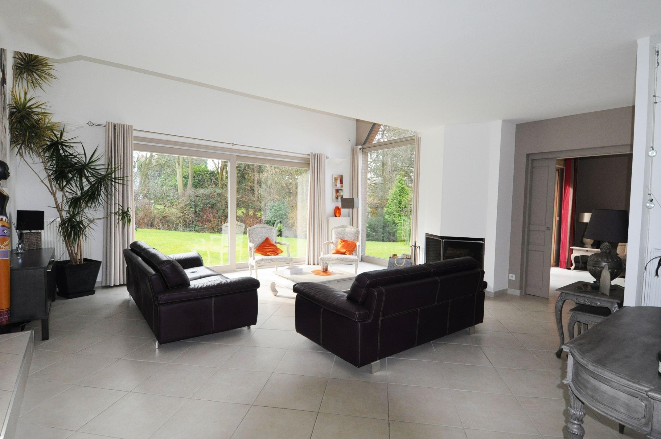 sales property at CROIX-BEAUMONT, in private area, 281sqm designer villa. 6 Br.