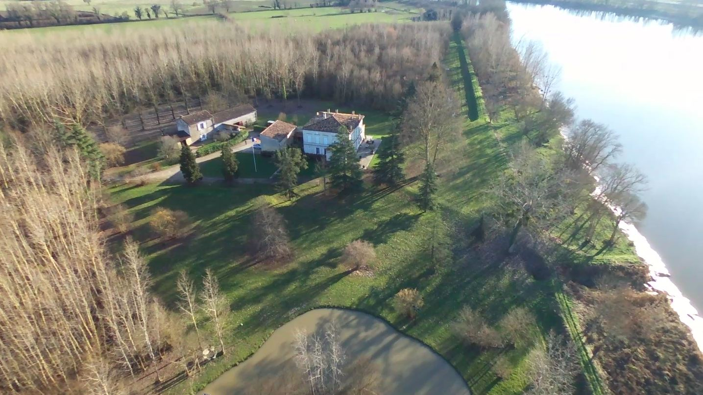 Property For Sale at BORDEAUX - RIGHT BANK - STUNNING WATERFRONT 30 ACRES -