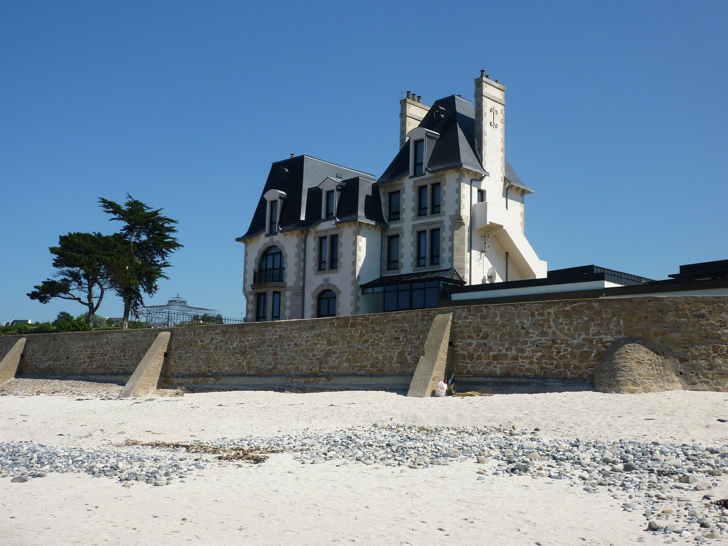Property For Sale at Sea View castle for sale in Finistere, Brittany with direct beach access