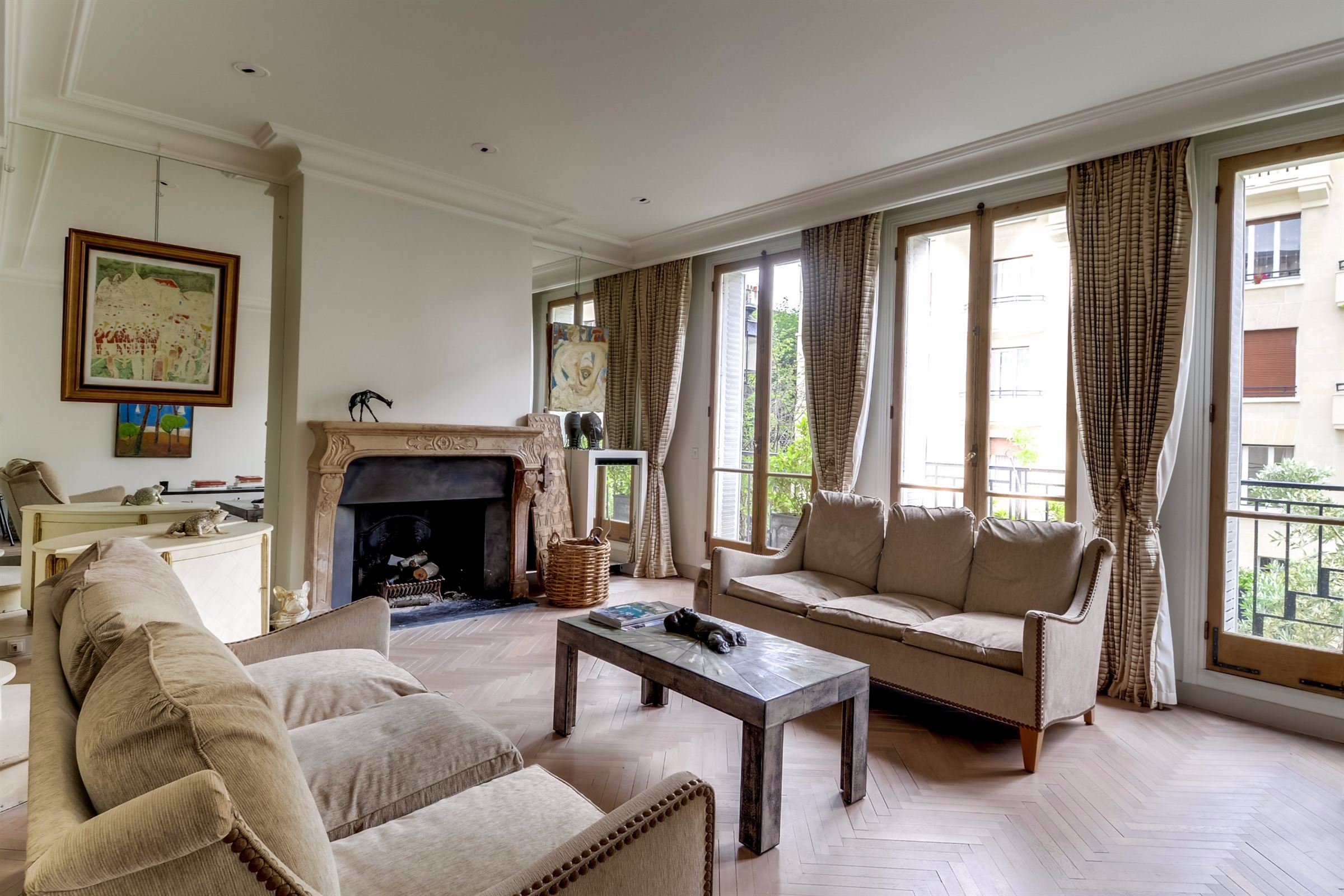 sales property at Private Mansion for sale, Neuilly - Saint James, 5 bedrooms