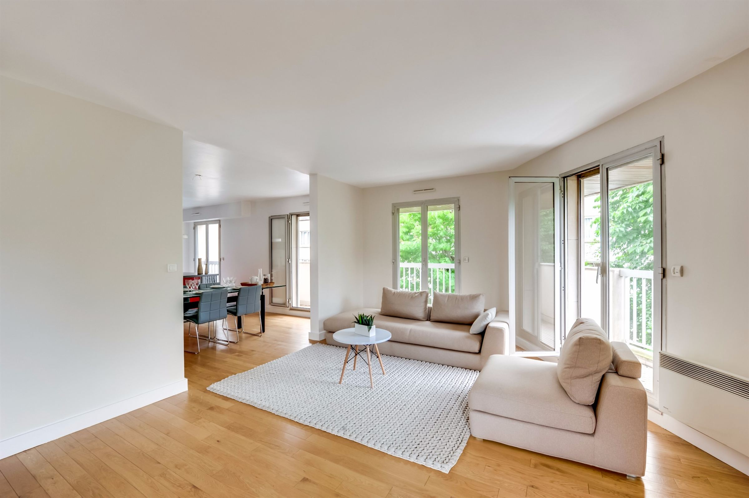sales property at A 158 sq.m apartment for sale, renovated, Neuilly - Saint James, 3/4 bedrooms