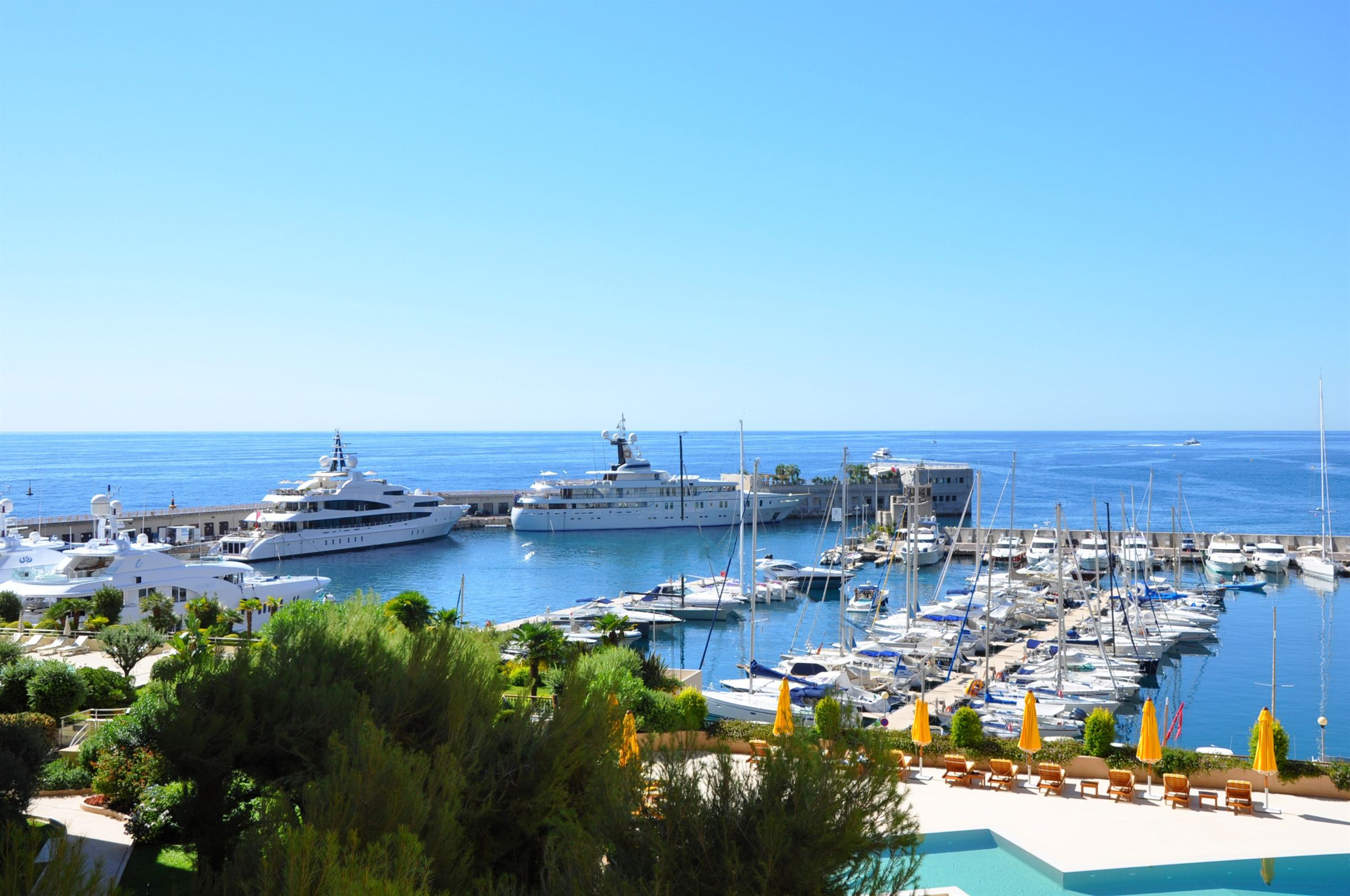 아파트 용 매매 에 Magnificent apartment - Views on Cap d'Ail's Port Other Monaco, Other Areas In Monaco, 98000 모나코