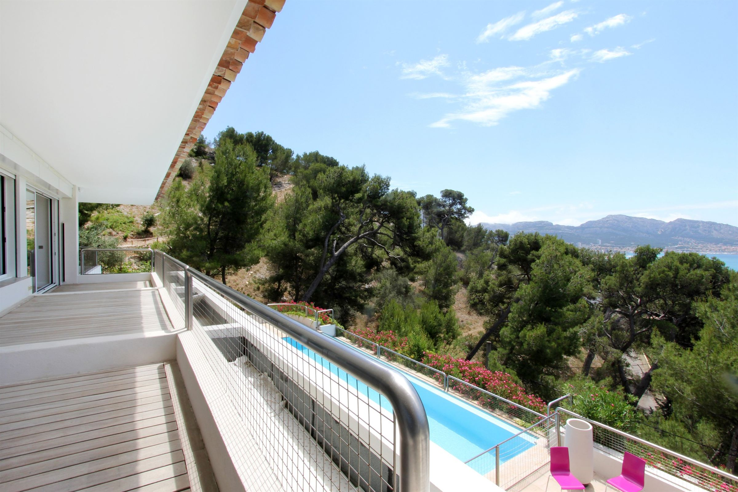 rentals property at LOCATION MEUBLEE - MAGNIFIQUE CONTEMPORAINE 450M²