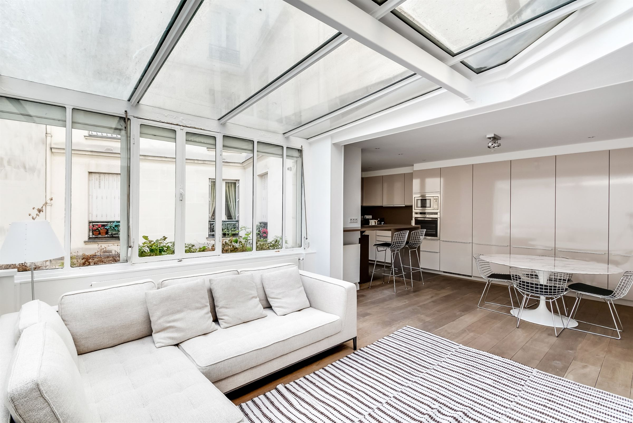 sales property at On sale townhouse in perfect condition Paris 16 Kléber