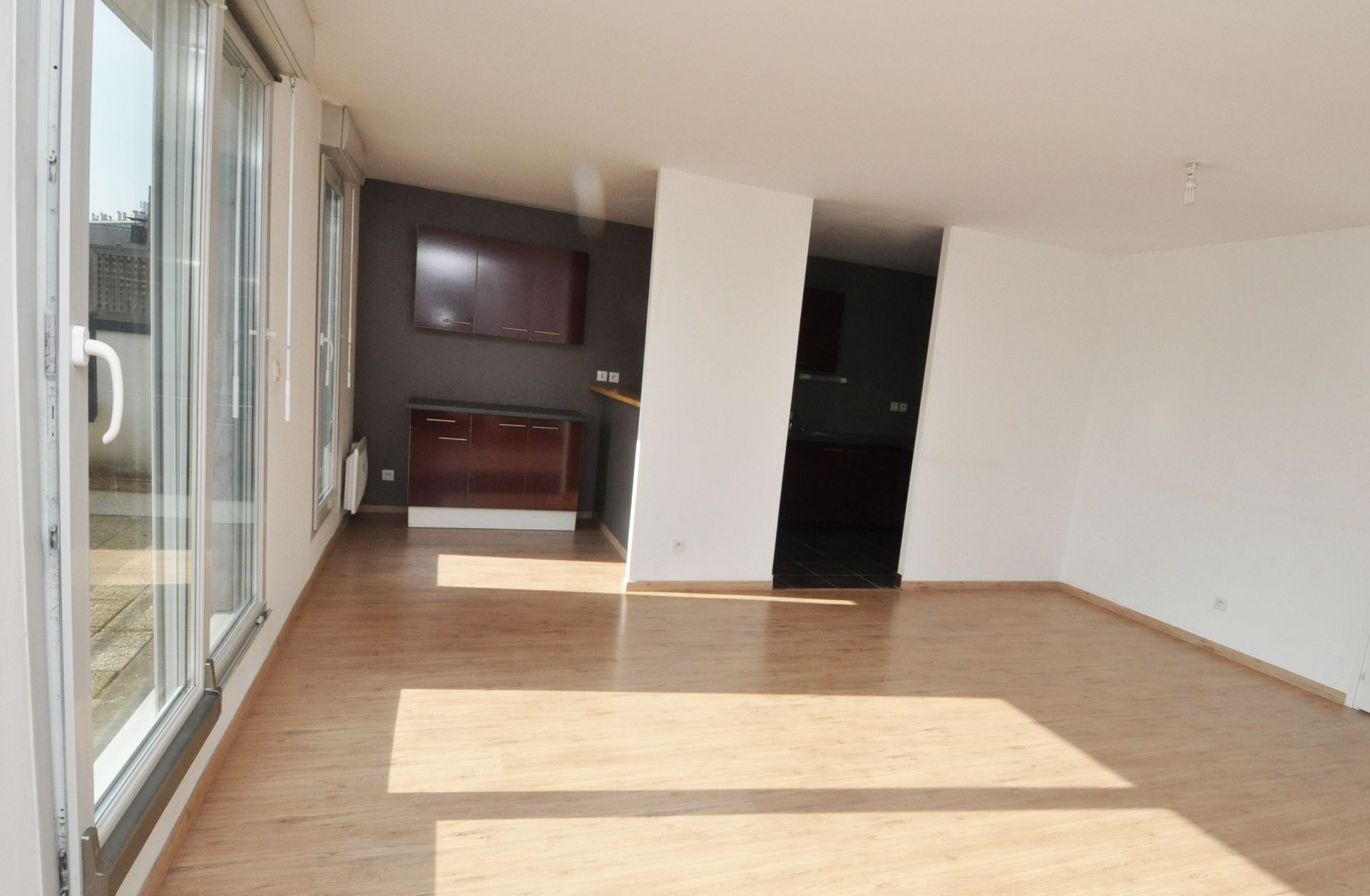 sales property at LILLE, Montebello-Cormontaigne, recent Luxury apartment 86m2 on the top floor.