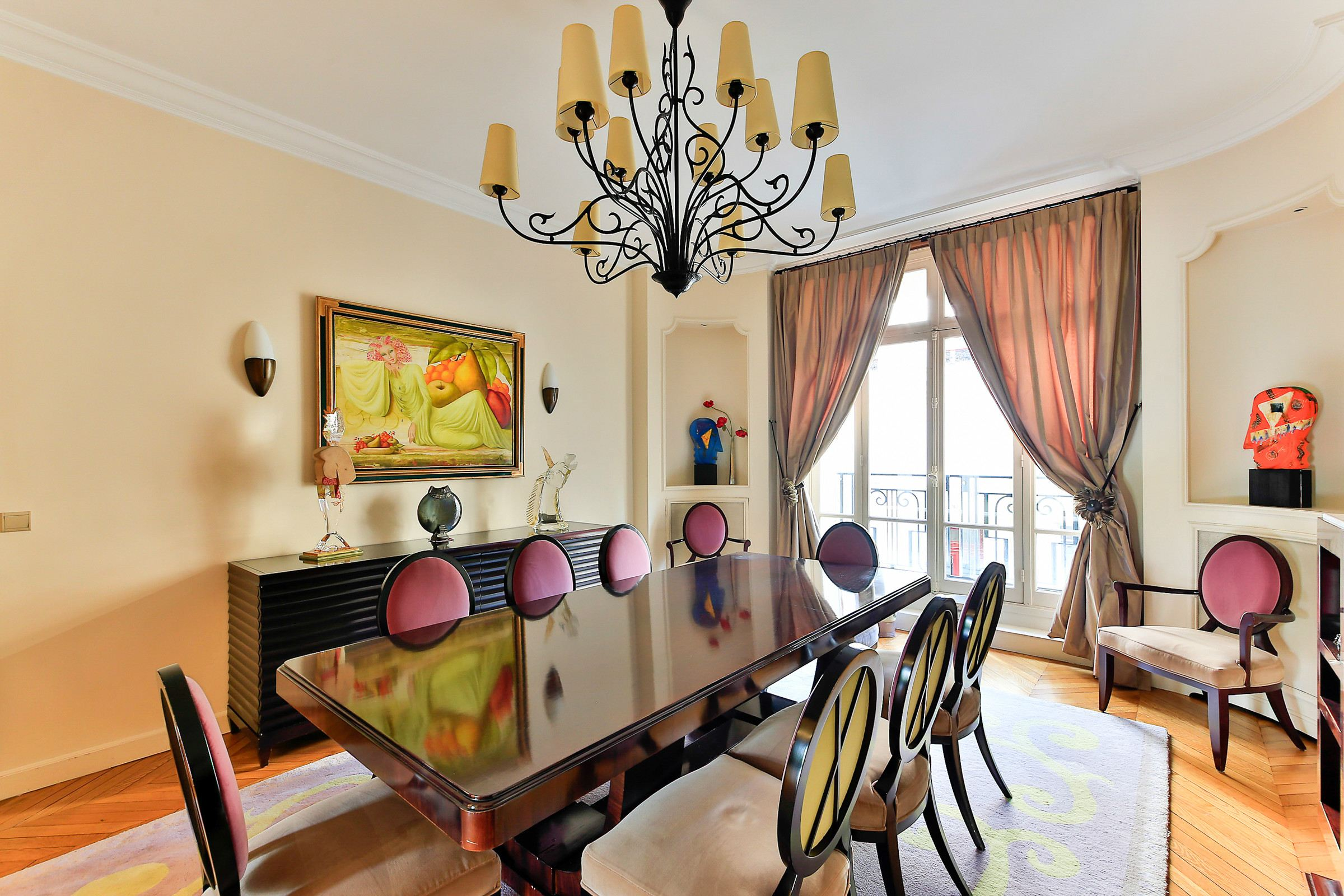 Property For Sale at Neuilly - Maurice Barrès - A 315 sq.m apartment - Bois de Boulogne view