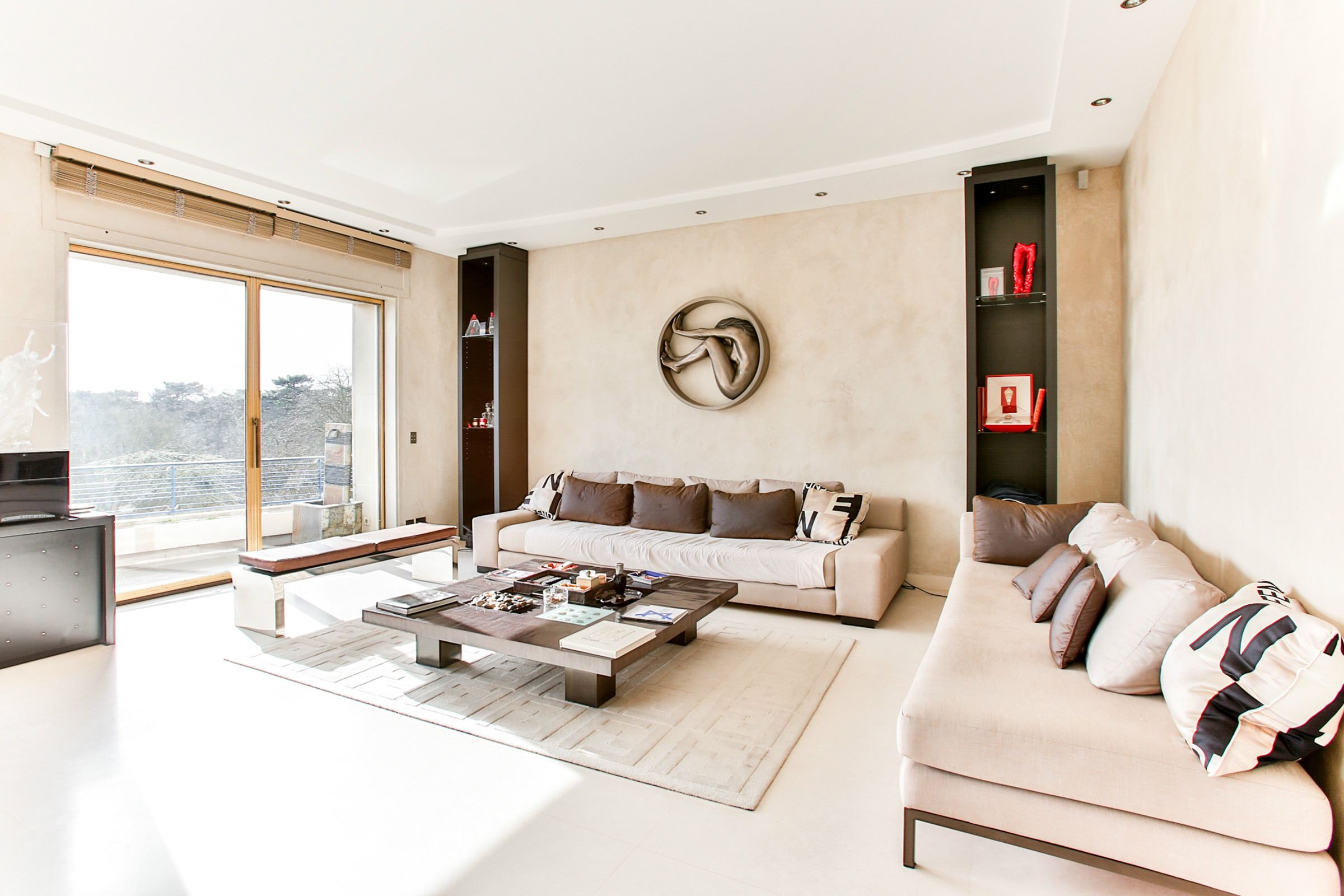 Property For Sale at Neuilly - A 175 sq.m apartment, fully renovated by a designer