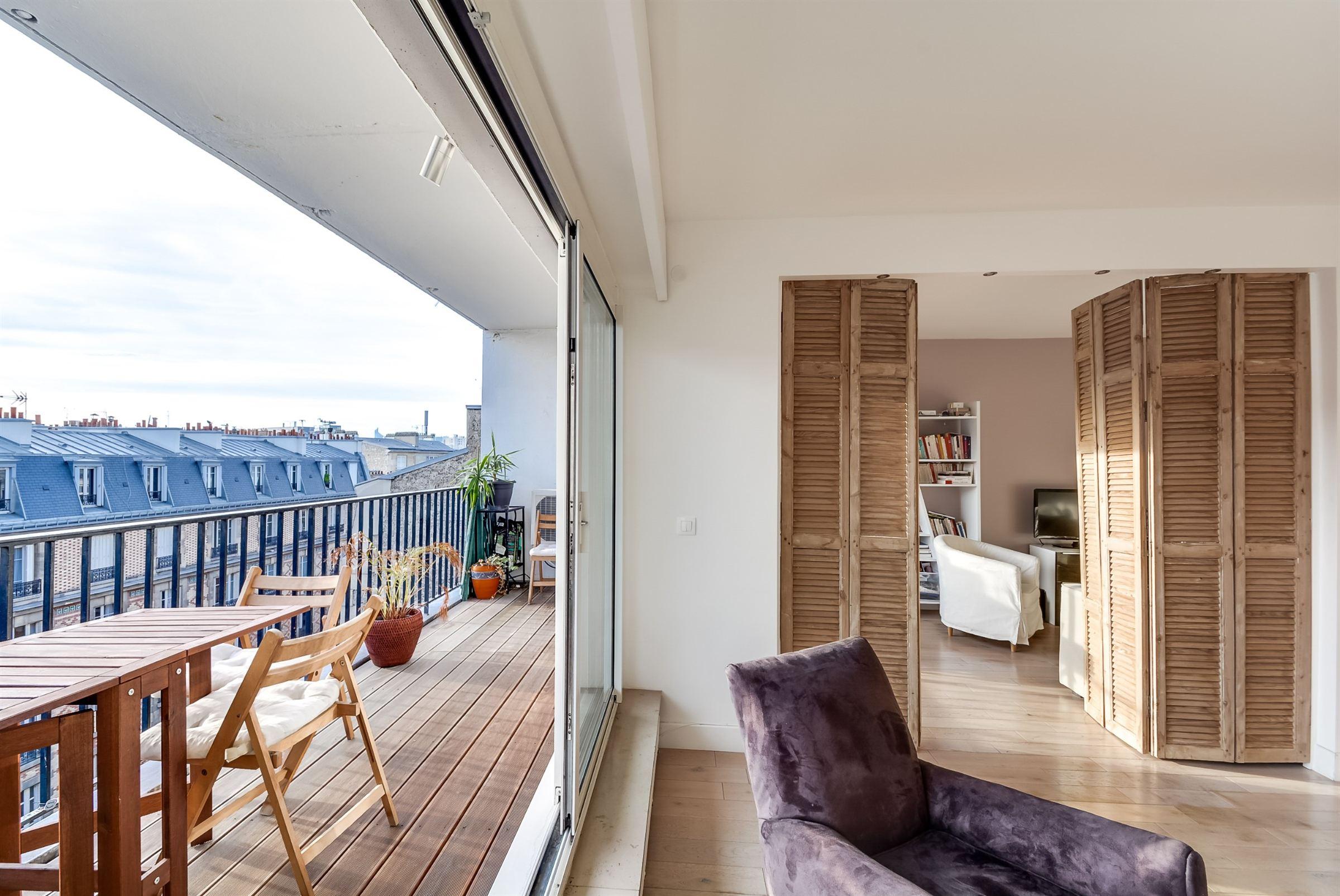 Appartement pour l Vente à Paris 17 - Pereire. A 85 sq.m apartment, in very good condition. Paris, Paris 75017 France