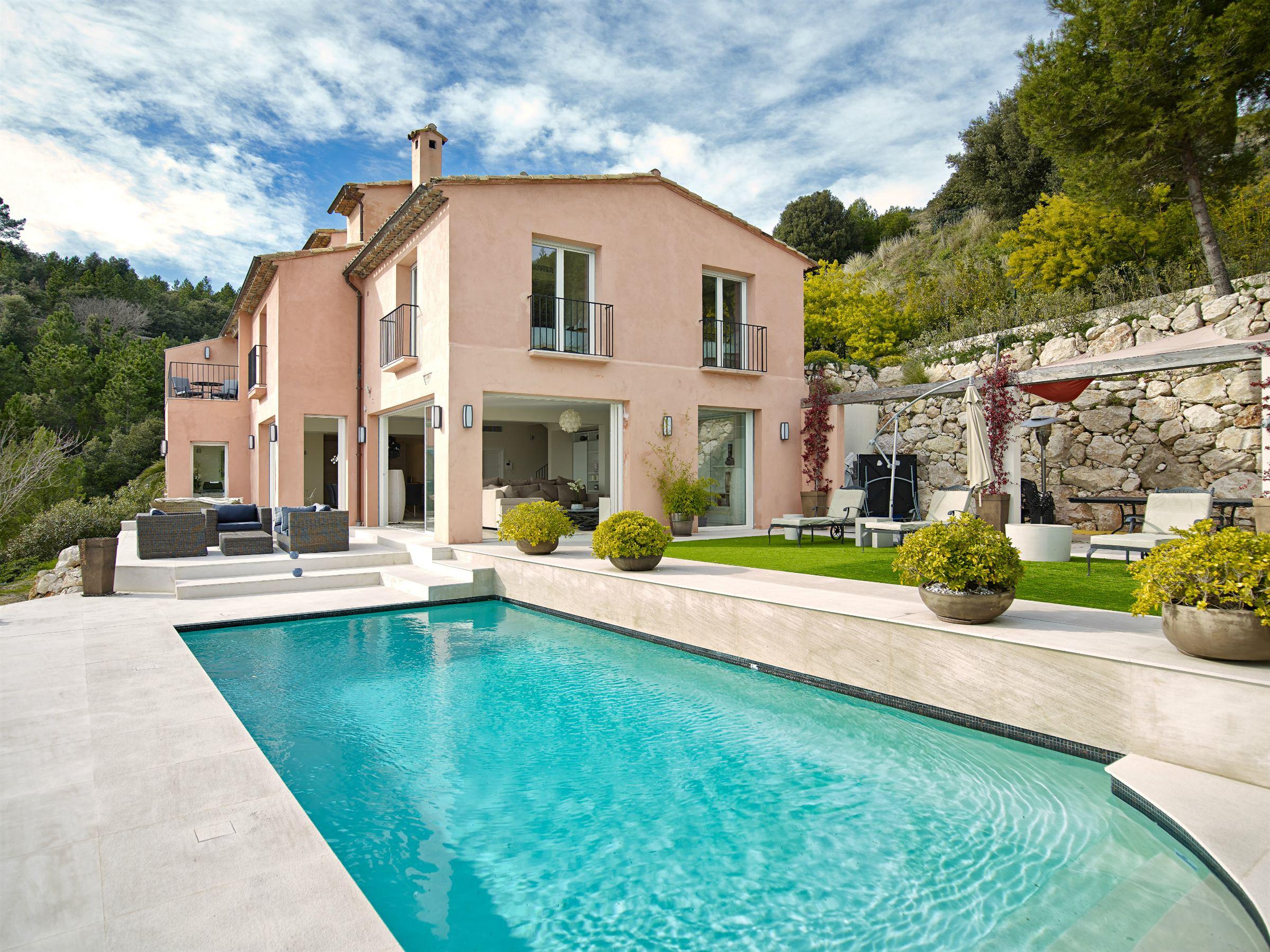 Einfamilienhaus für Verkauf beim Provencal style villa with panoramic sea view overlooking Eze sur Mer Eze, Provence-Alpes-Cote D'Azur 06360 Frankreich