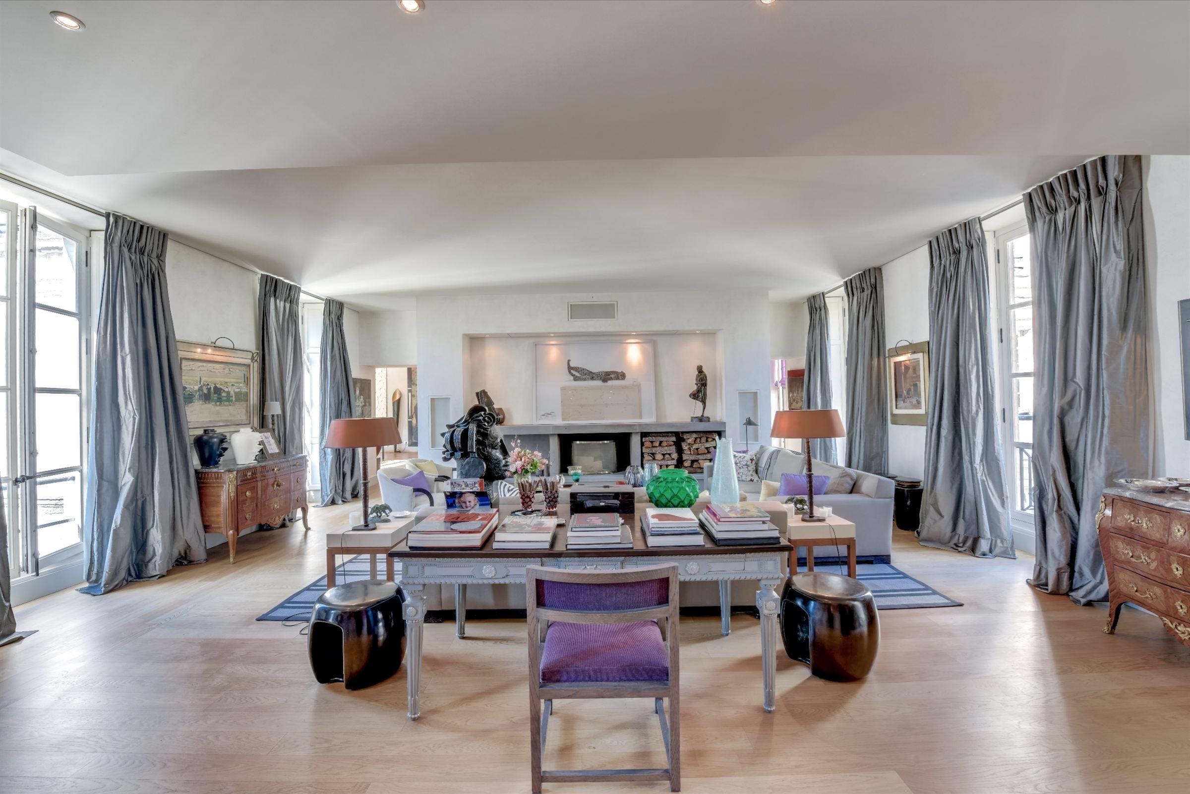 sales property at On sale exceptional apartment in Paris 7 - Carré Rive Gauche