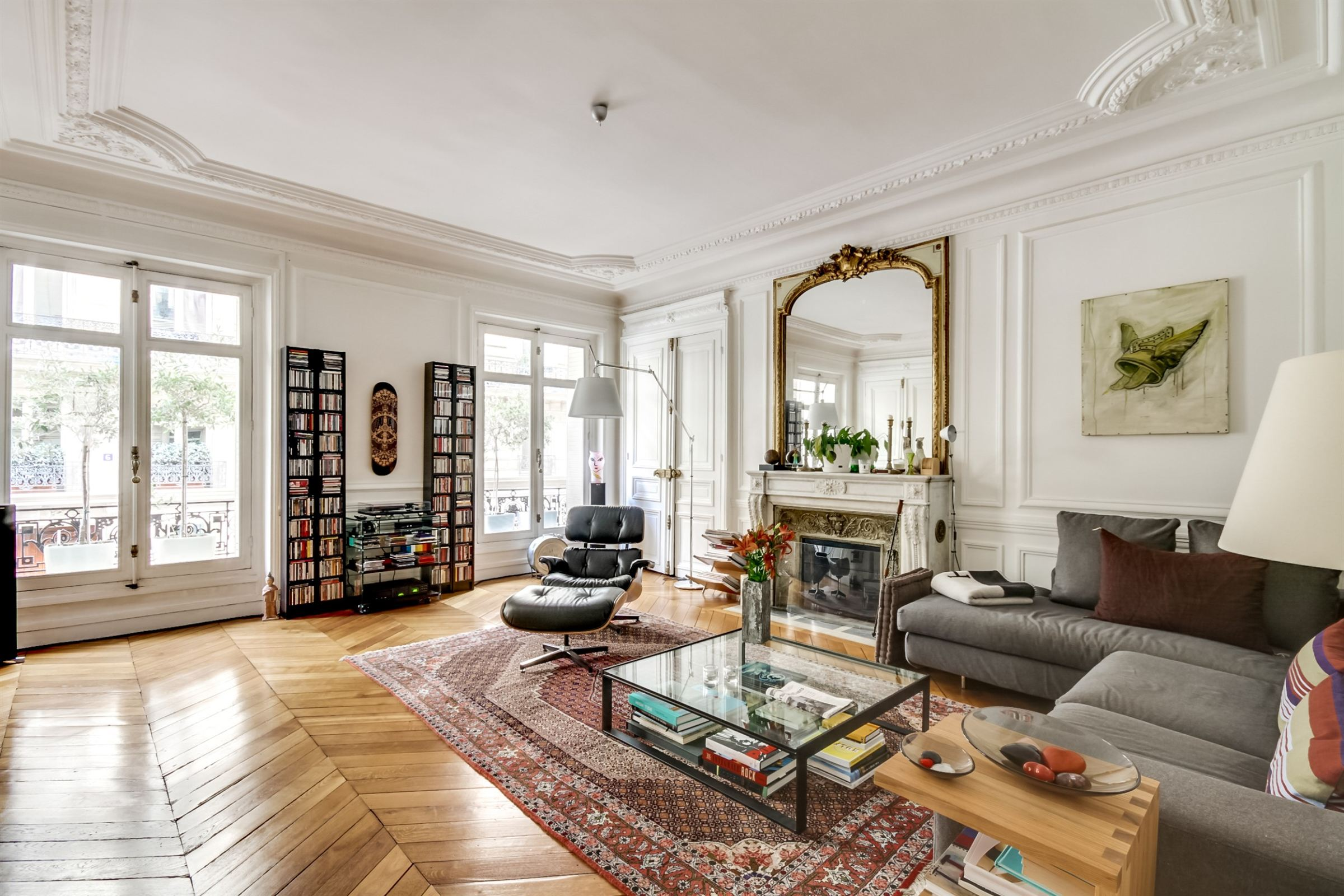 Apartamento por un Venta en Paris 17 - Courcelles. An elegant 170 sq.m apartment Paris, Paris 75017 Francia