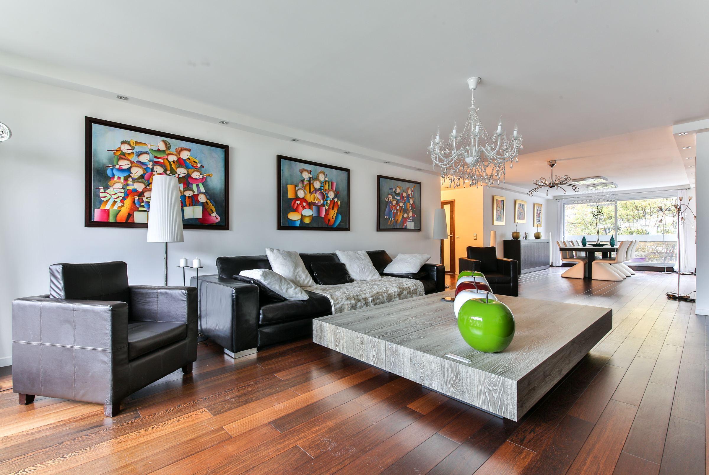 아파트 용 매매 에 Paris 16 - Place de Mexico. Apartment of 140 sq.m. With a balcony Paris, 파리 75116 프랑스