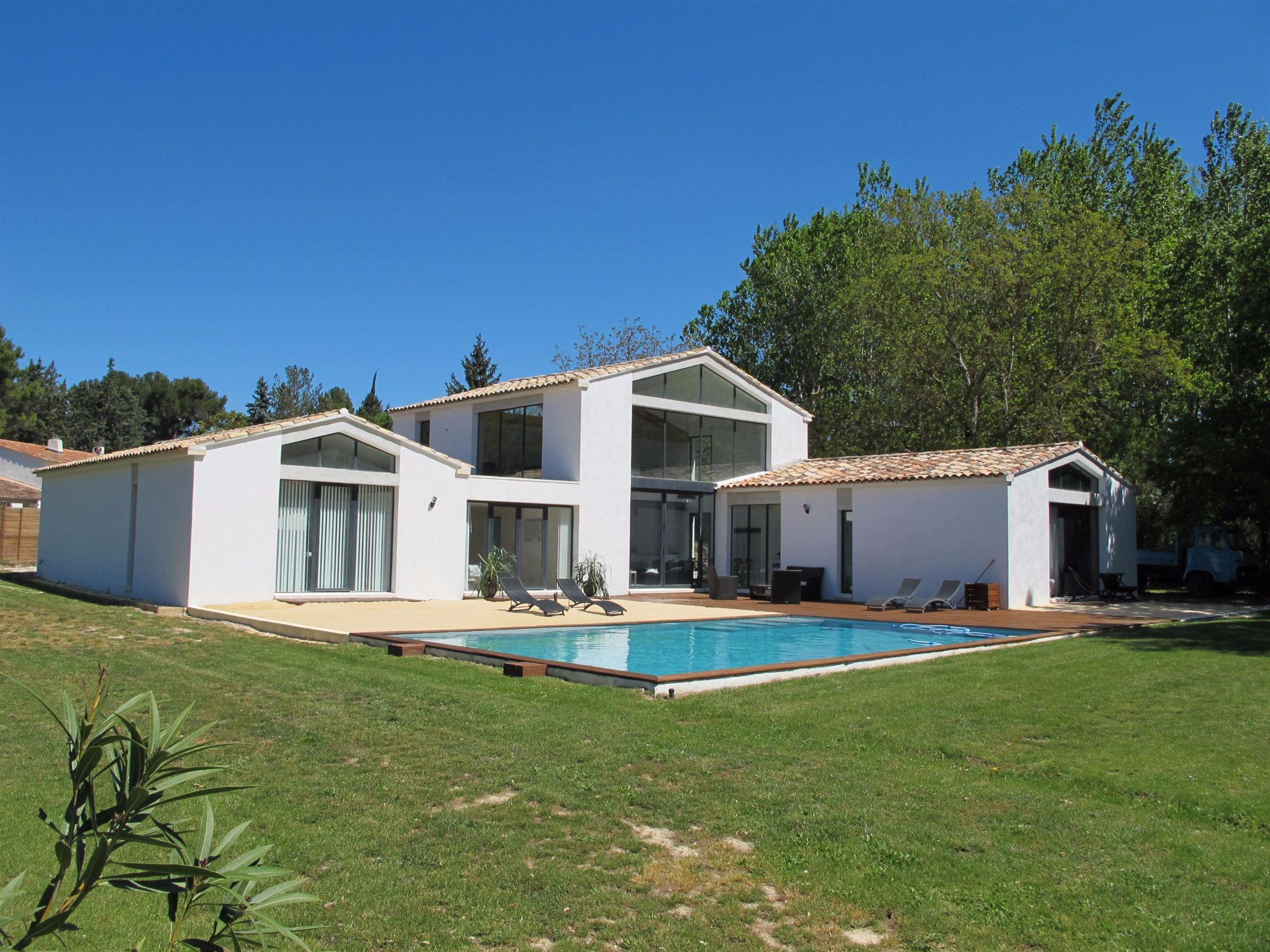 Частный односемейный дом для того Продажа на Magnificient house Other Provence-Alpes-Cote D'Azur, Прованс-Альпы-Лазурный Берег, 13100 Франция