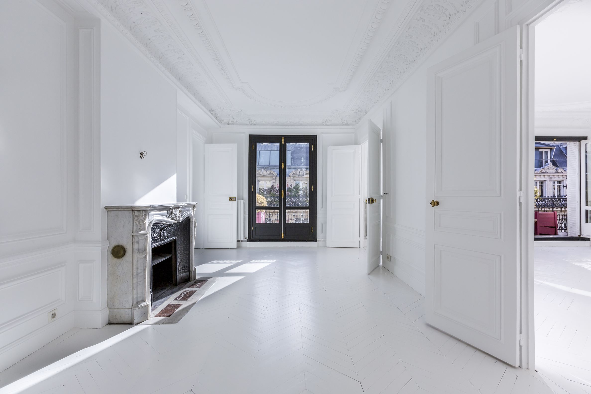 sales property at Terrace two steps from the champs Elysées