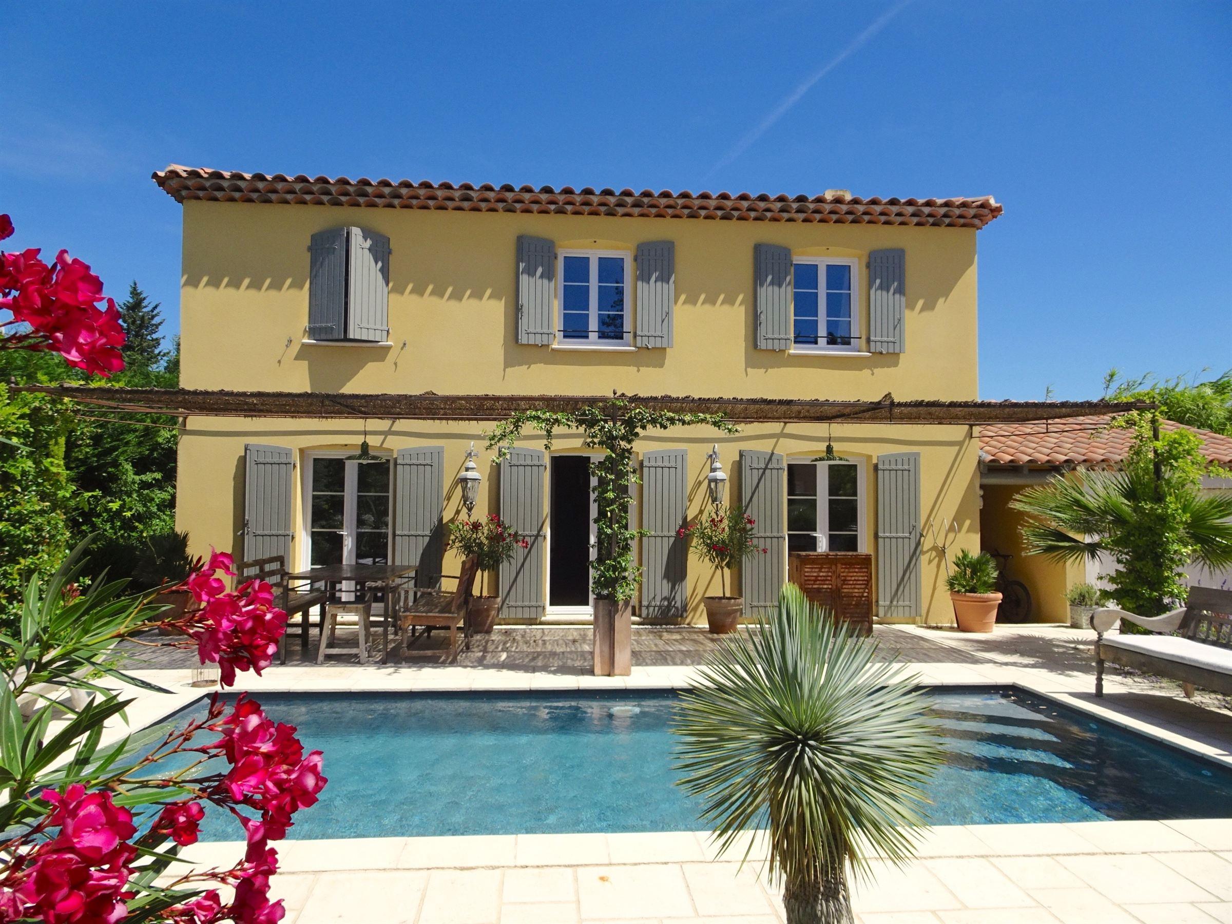"Nhà ở một gia đình vì Bán tại RECENT ""BASTIDE"" WALKING DISTANCE FROM ST REMY DE PROVENCE CENTRE Other Provence-Alpes-Cote D'Azur, Provence-Alpes-Cote D'Azur, 13210 Pháp"
