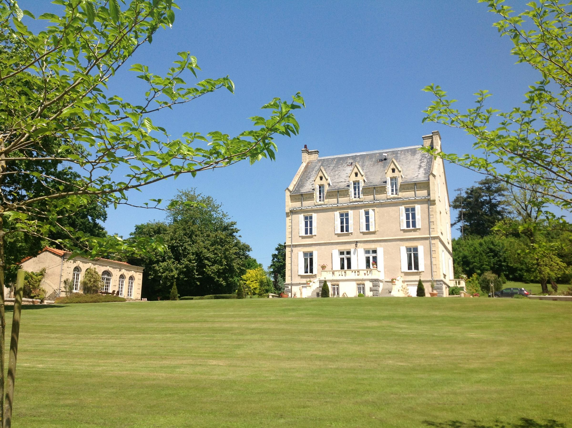 sales property at 19th century Manoir - North Deux-Sevres