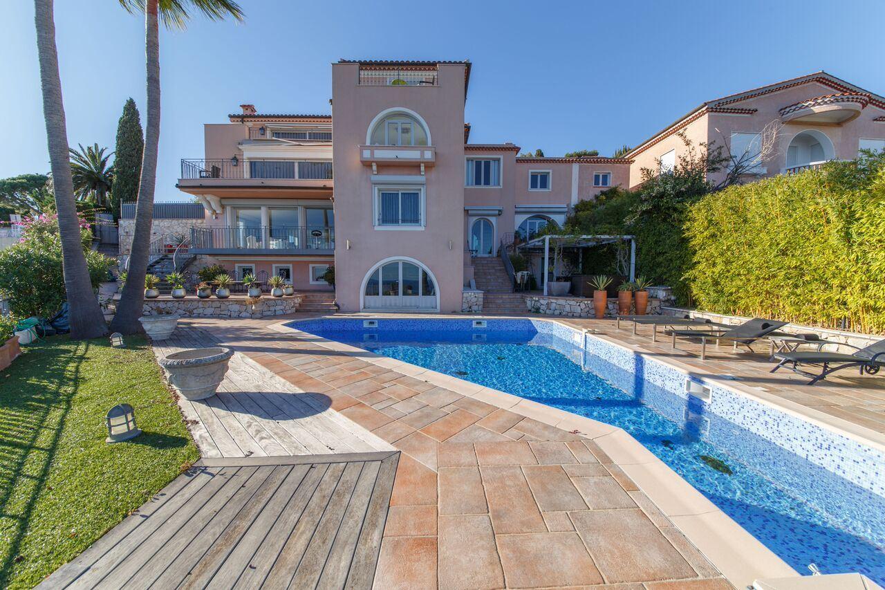 Duplex Homes por un Venta en Splendid apartment/villa in a gated domain in Villefranche -vue sea Villefranche Sur Mer, Provincia - Alpes - Costa Azul 06230 Francia