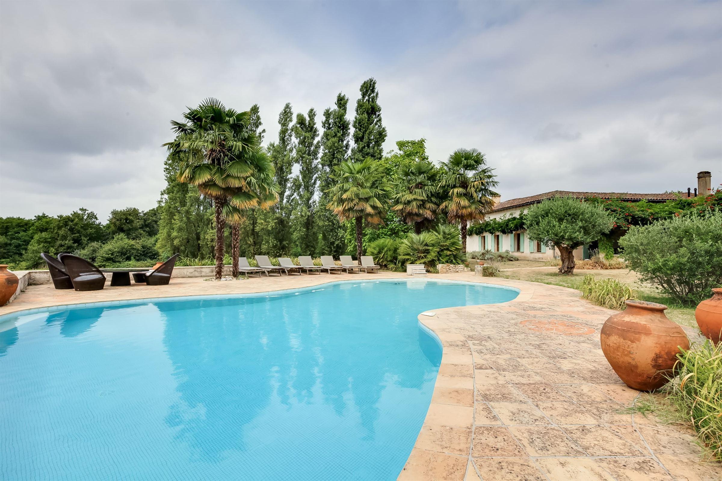 一戸建て のために 売買 アット BORDEAUX 30MN - UNIQUE 10 HA PROPERTY WITH 2 PRIVATE LAKES Bordeaux, アキテーヌ, 33000 フランス