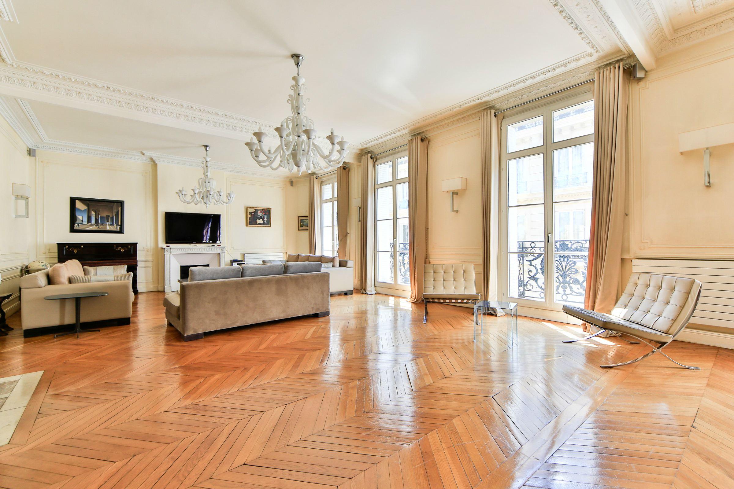 sales property at On sale high end apartment Paris 16 - OCDE