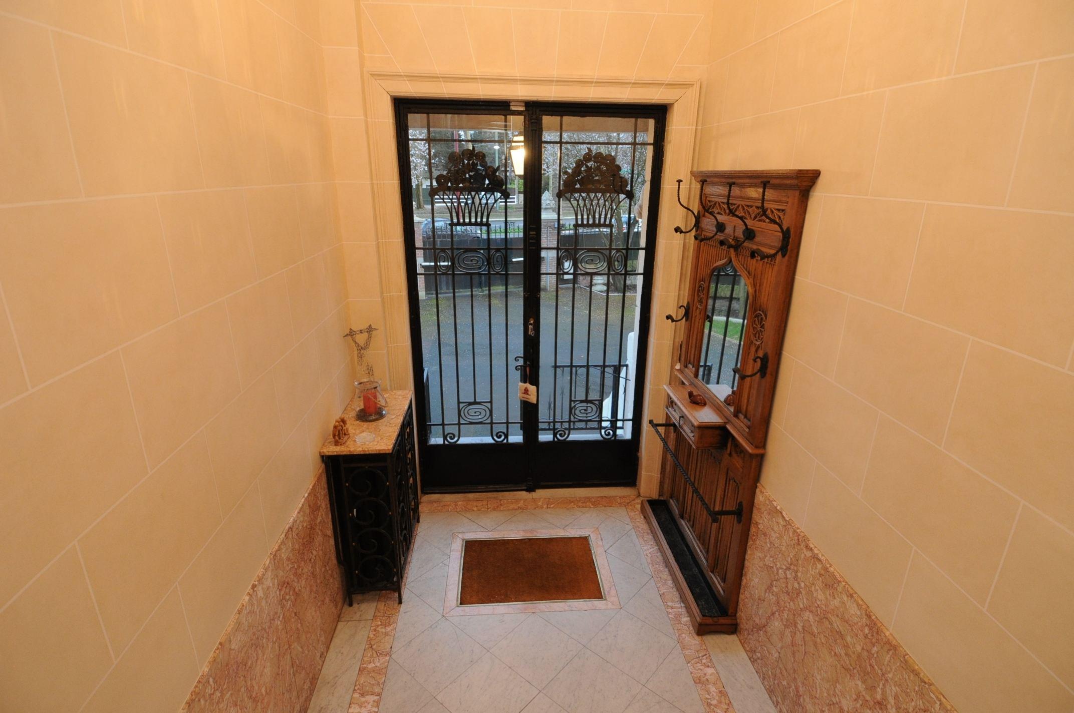 rentals property at Marcq en Baroeul, maison de Maître, 280 m² habitables, 7 Ch.