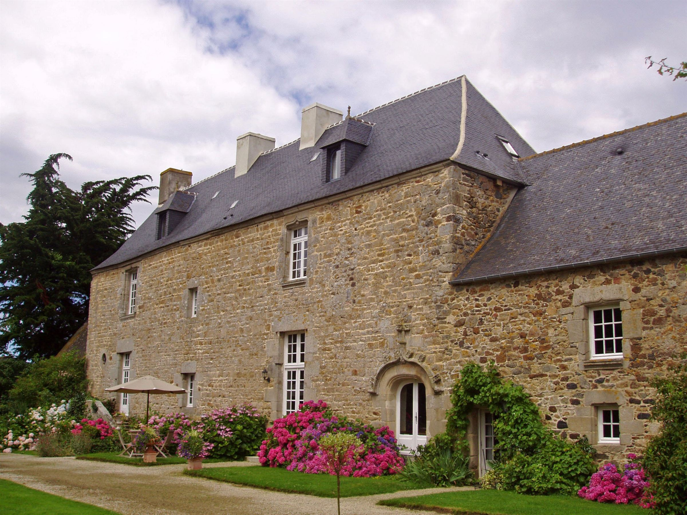 sales property at Exceptionnal 16th century Manor near Pleneuf Val André in excellent condition!