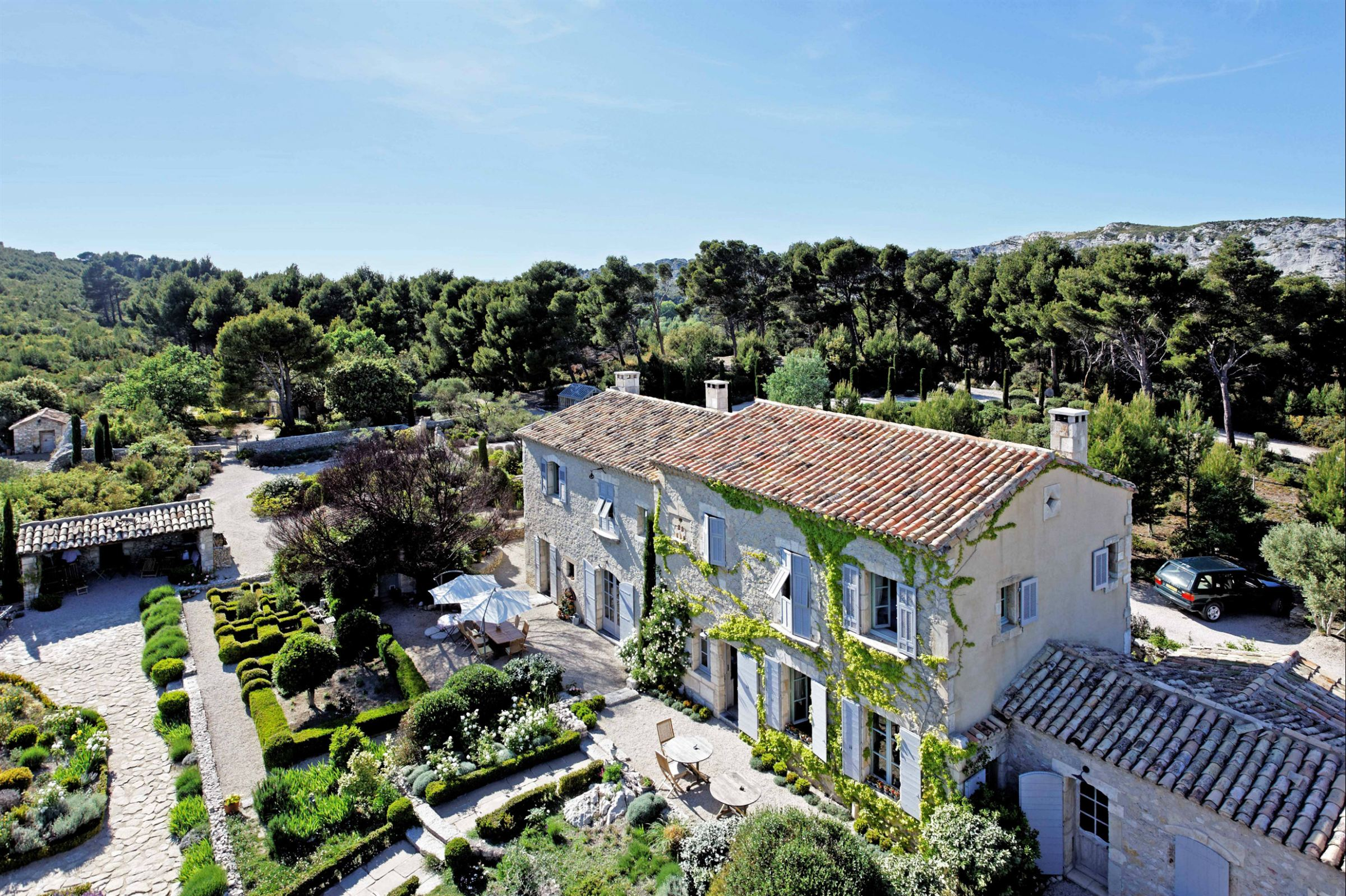 Property For Sale at Exceptional estate in provence