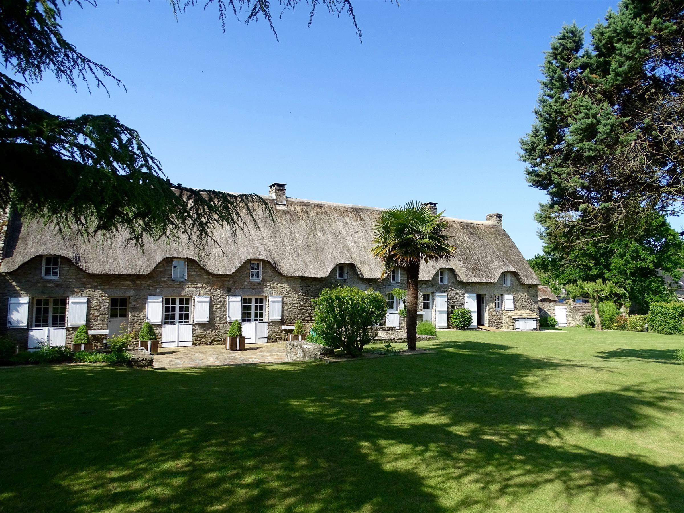 Casa Unifamiliar por un Venta en Very beautiful renovated thatched cottage. Other Pays De La Loire, Pays De La Loire, 44410 Francia