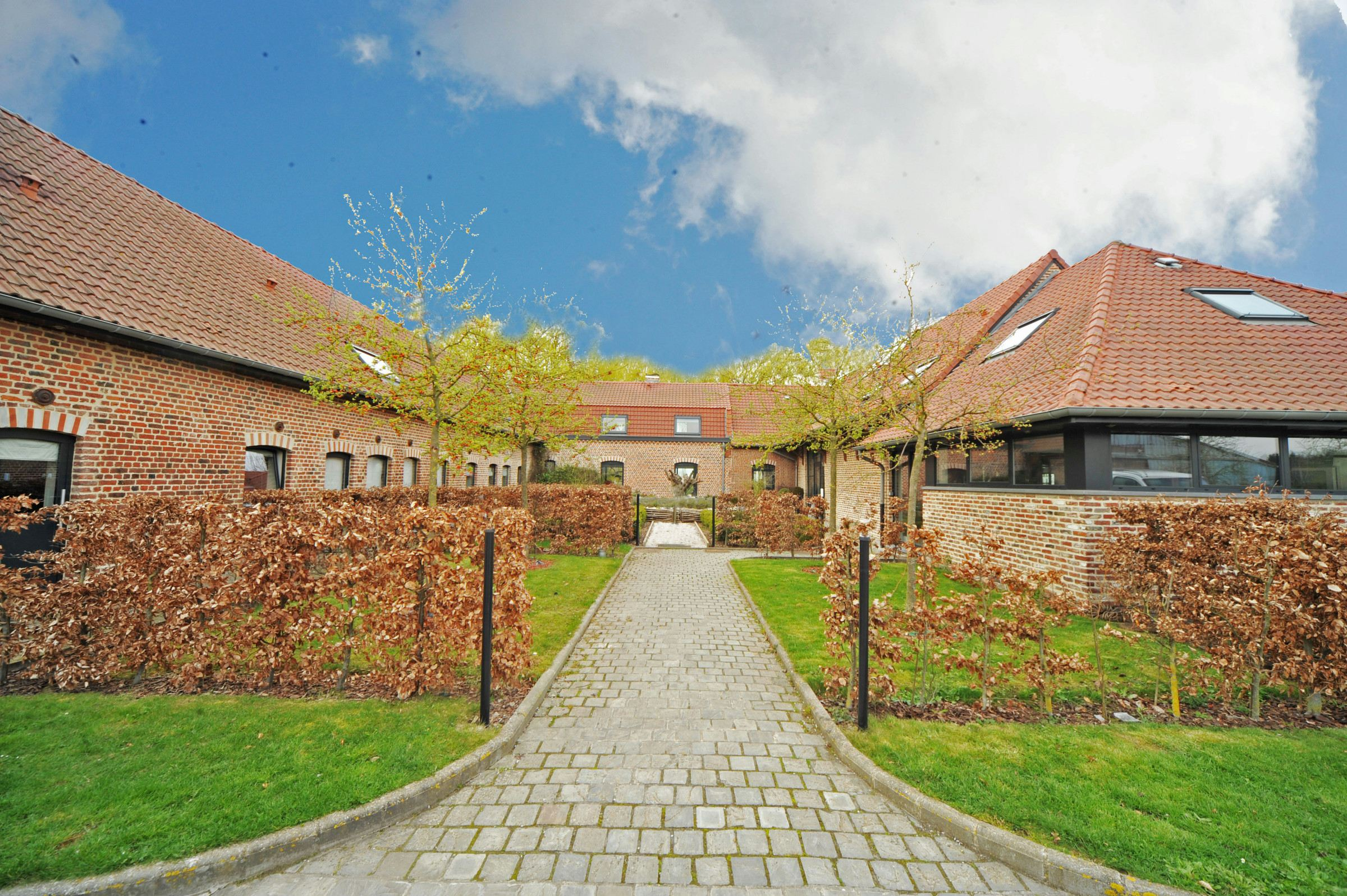 sales property at Weppes area - Exceptional renovated property, 3 Ha plot
