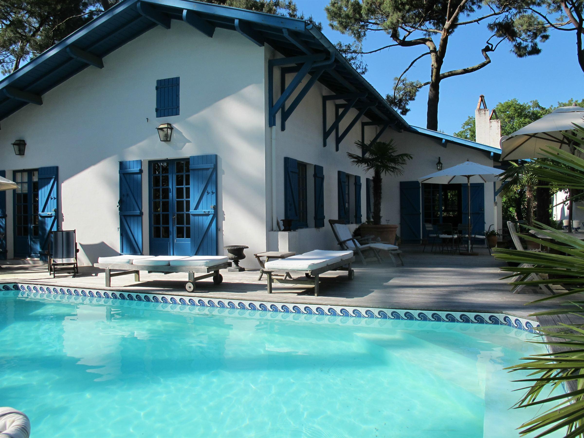 Property For Sale at Pyla Sur Mer - Villa de caractère proche Dune