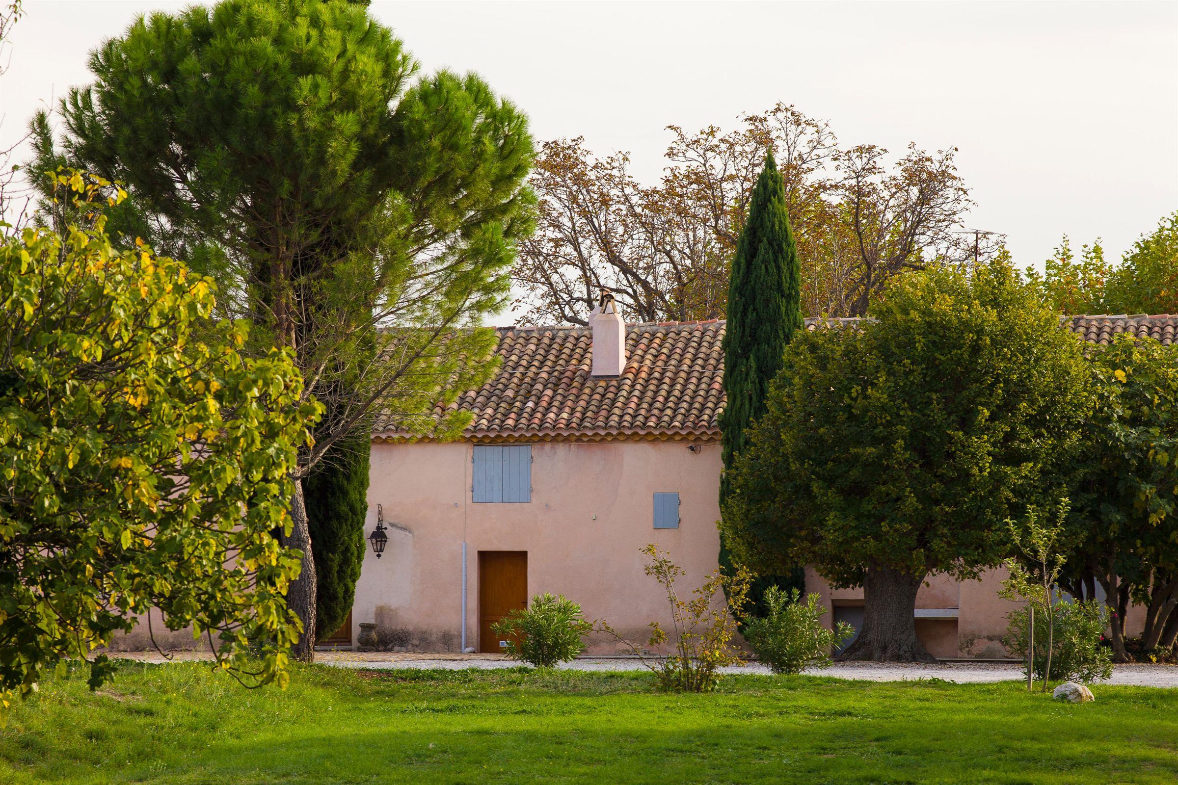 Property For Sale at Magnifique Mas XVIIéme proche d' Aix en Provence