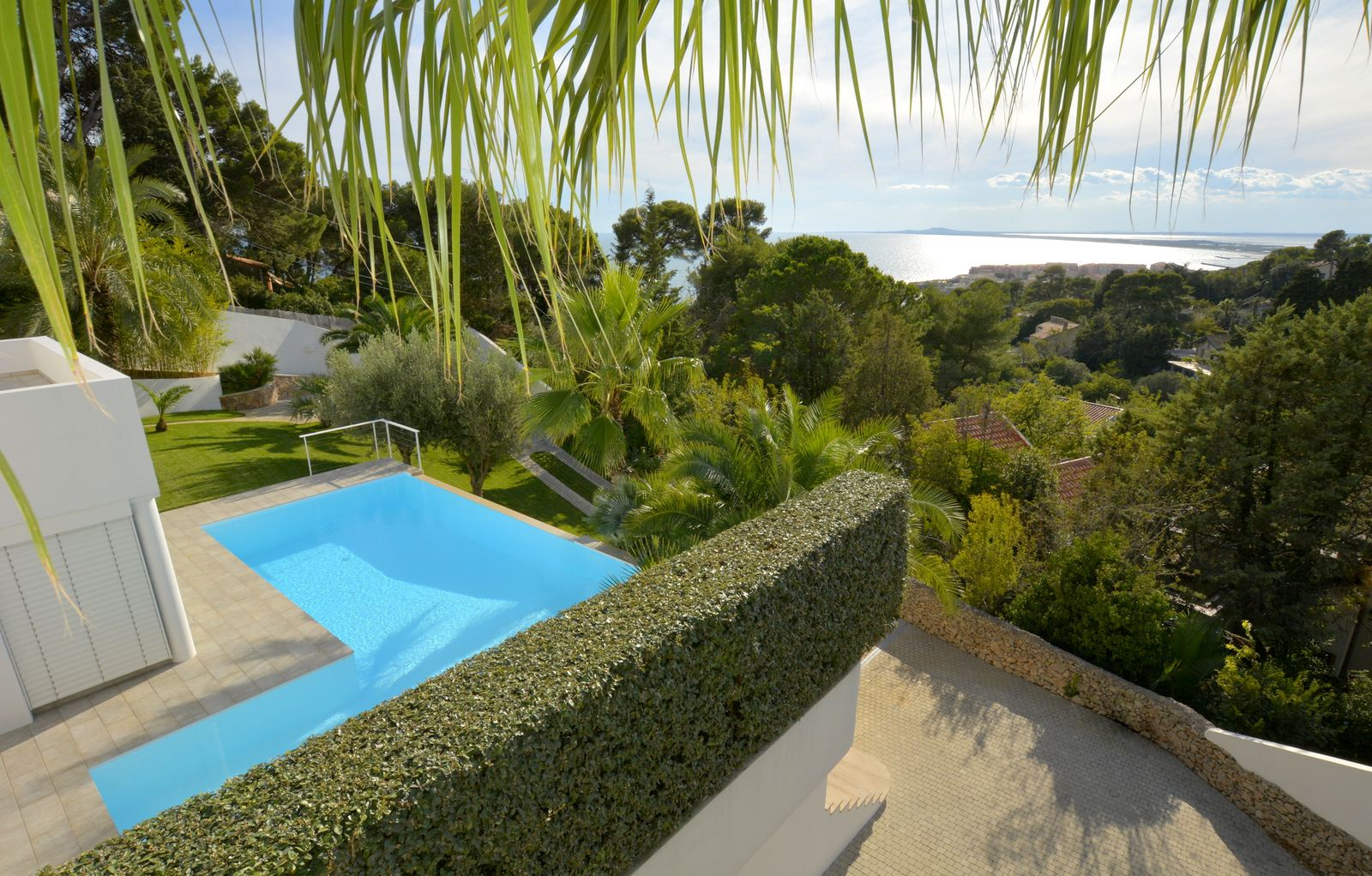 Property For Sale at Sete - Contemporary with a panoramic view over the sea
