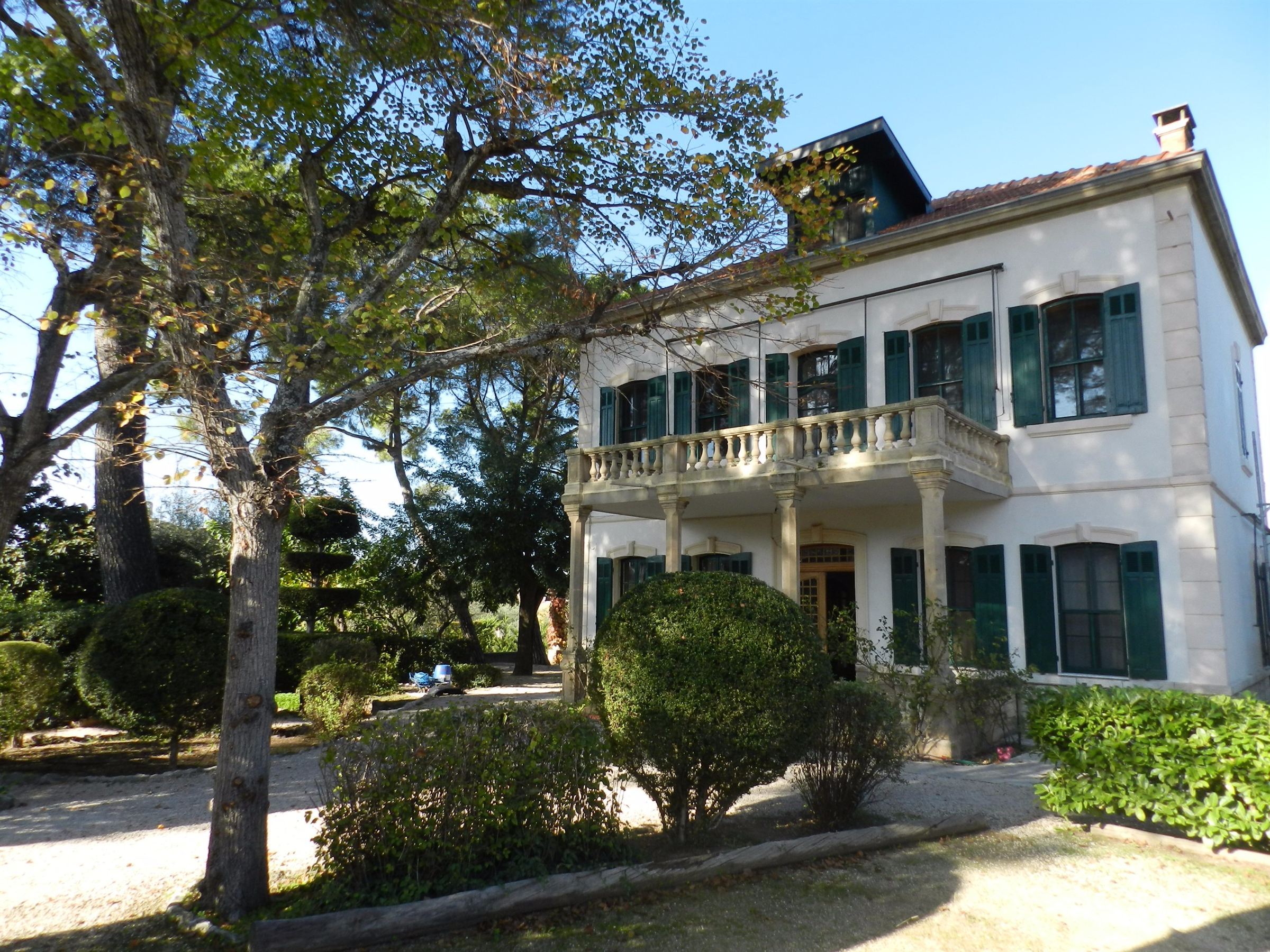 sales property at Maison Bourgeoise