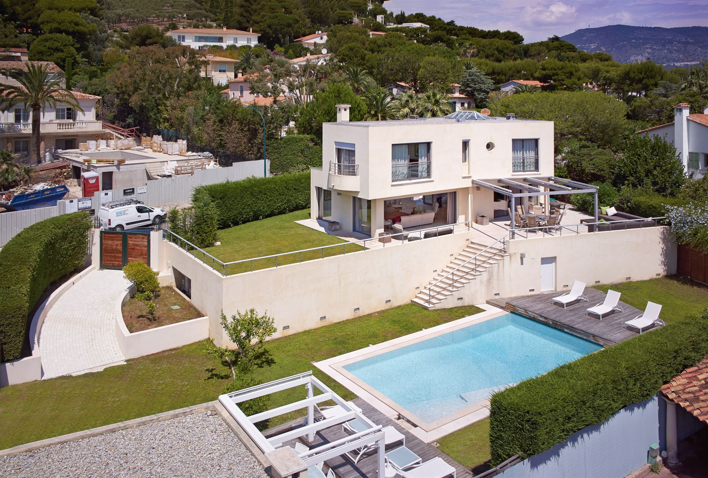 Casa Unifamiliar por un Venta en Contemporary villa close to the 'Grand Hôtel' Other Provence-Alpes-Cote D'Azur, Provincia - Alpes - Costa Azul, 06230 Francia