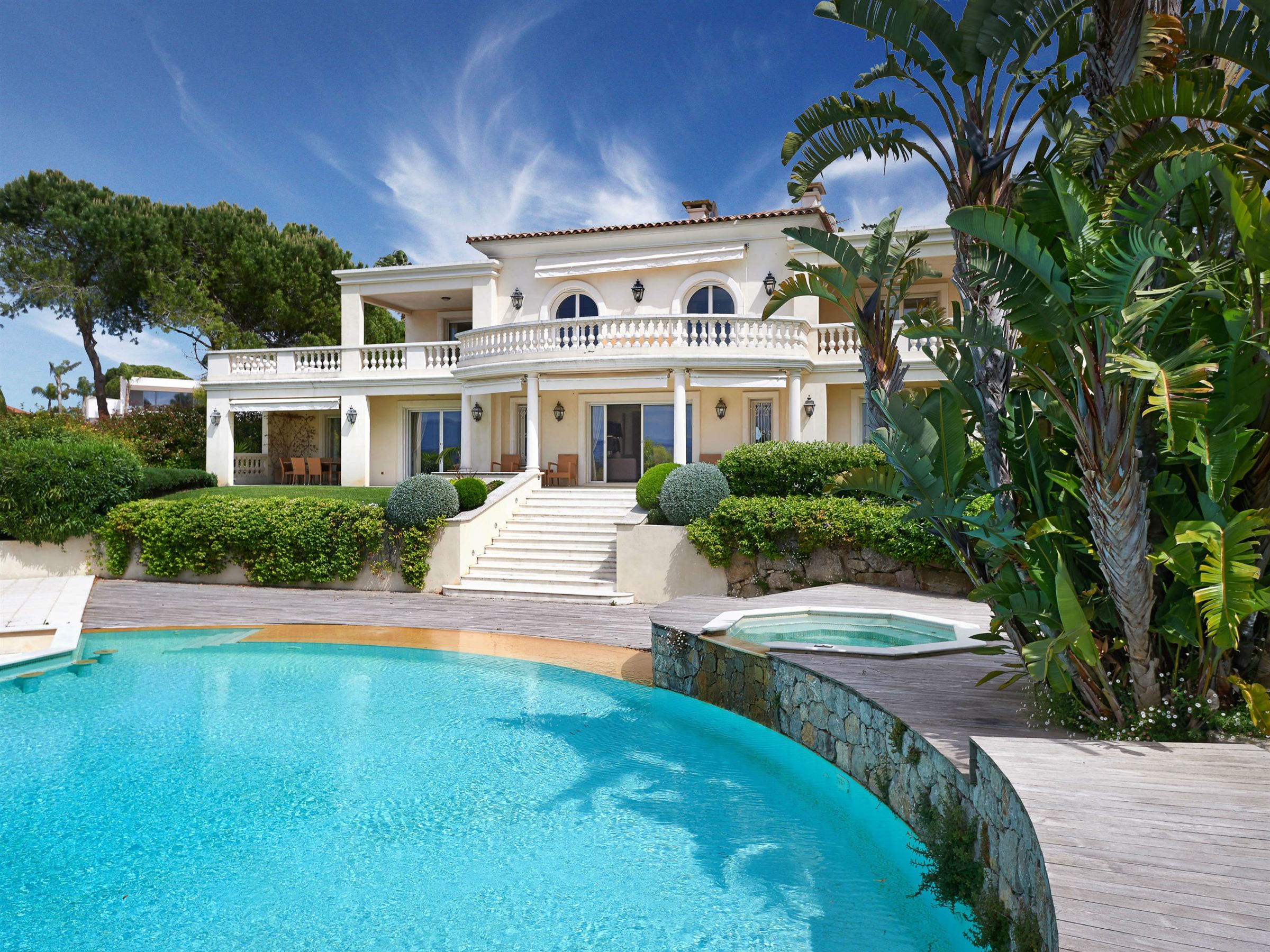 Property For Sale at Cap d'Antibes - Luxury property in private domain with panoamic sea view