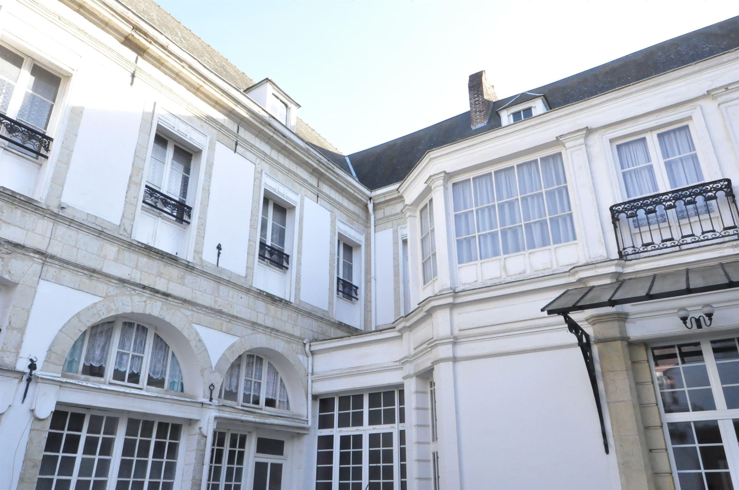 Douai Centre, Hã´tel Particulier 1800 M2 Hab. 13 Ch