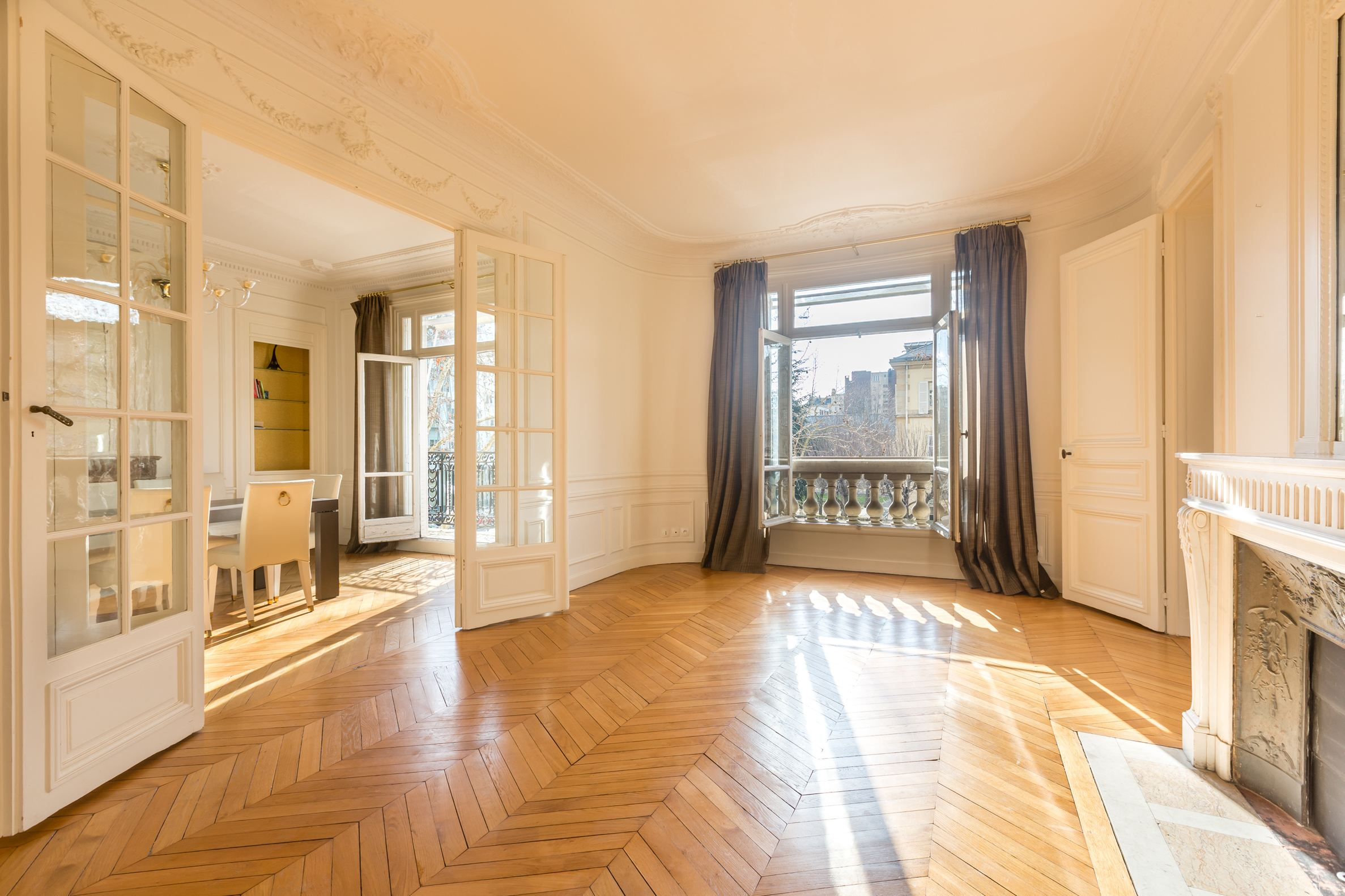 sales property at Invalides - Haussmannian apartment